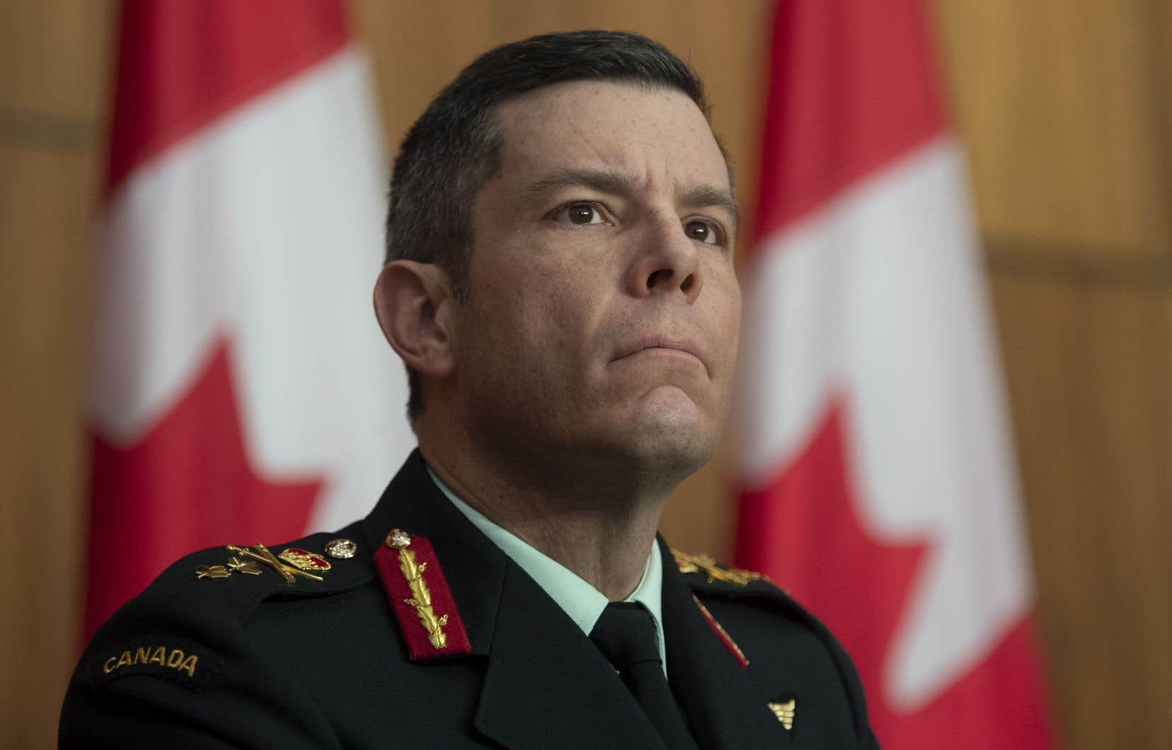 Le gouvernement fédéral avait indiqué, le 14 mai, que M. Fortin avait quitté son poste de vice-président de la logistique et des opérations à l'Agence de la santé publique du Canada. Il faisait, à ce moment-là, l'objet d'une enquête militaire pour une allégation d'inconduite sexuelle qui date d'il y a plus de 30 ans.