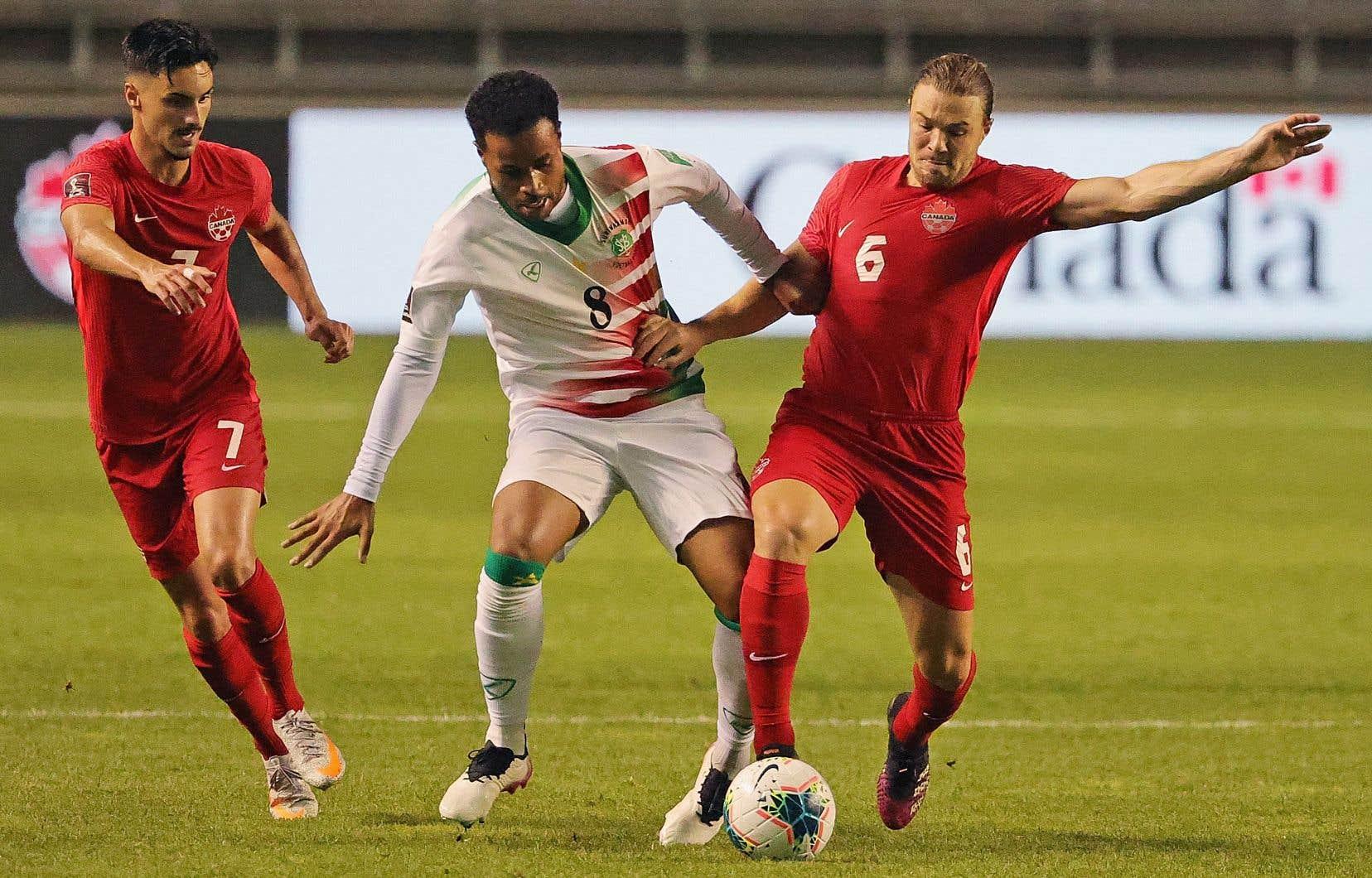 Les joueurs canadiens n'ont pas atteint la ronde finale de qualification dans la région qui comprend l'Amérique du Nord et Centrale et les Caraïbes depuis 1996-97.