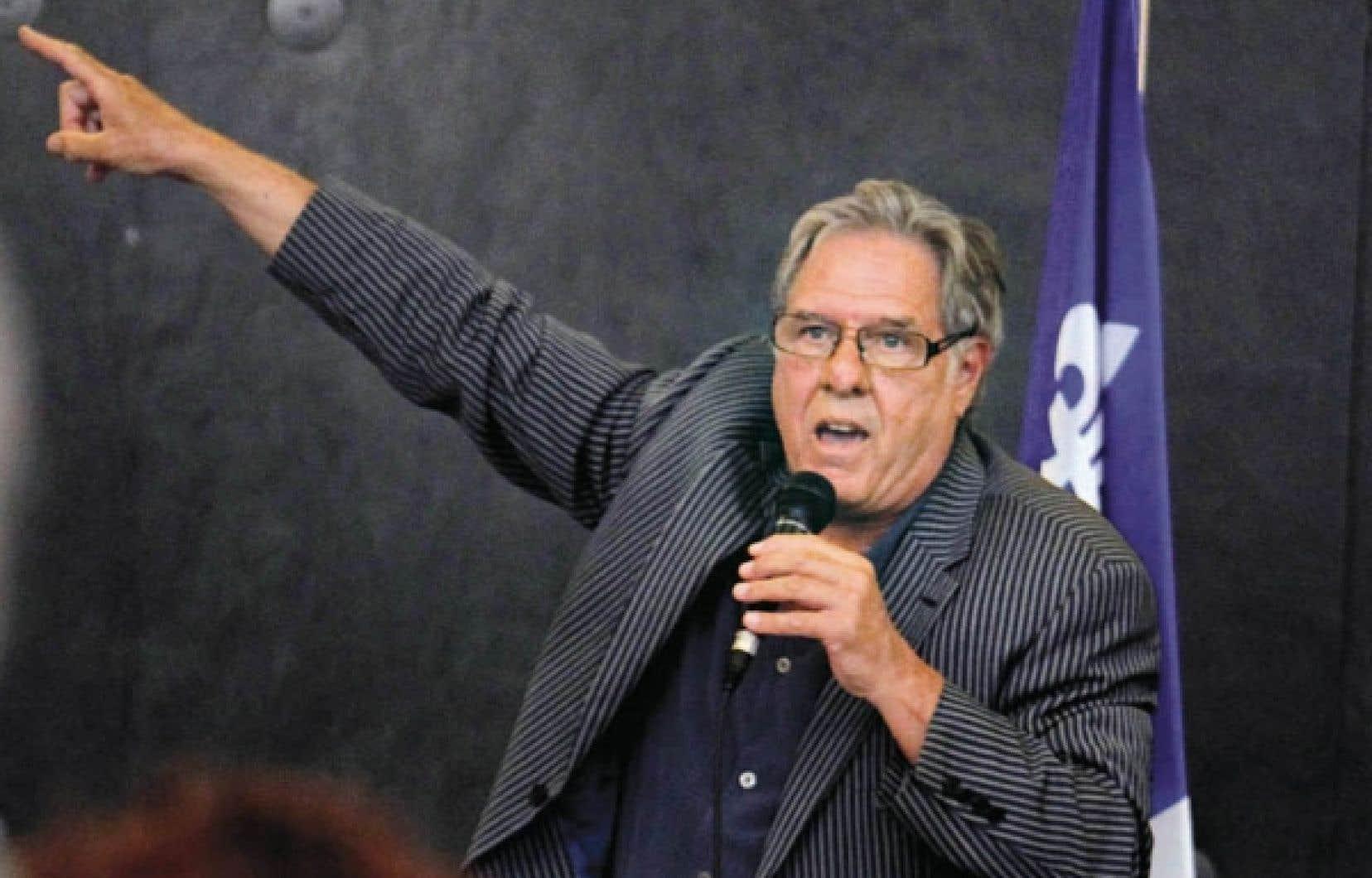 Pierre Curzi a pris soin de préciser aux 400 personnes qui se sont déplacées dans un centre communautaire de la municipalité d'Otterburn Park qu'ils n'assisteraient pas à la naissance d'un nouveau parti politique.