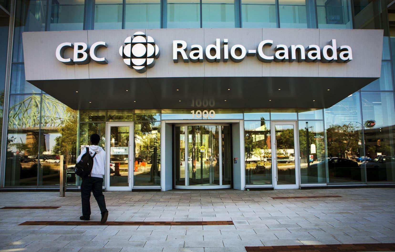 Radio-Canada et CBC font appel à une firme externe pour modérer les commentaires reçus sur leurs sites.