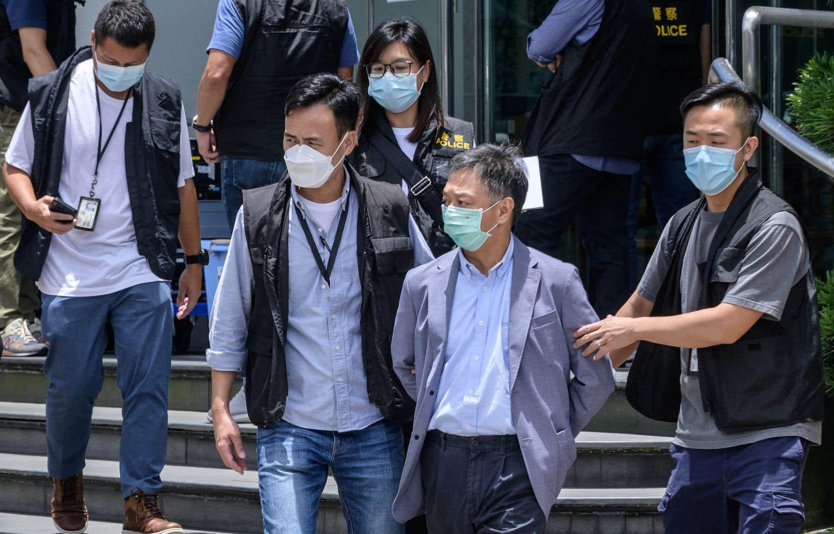 Ces arrestations sont l'ultime coup porté contre le journal du magnat Jimmy Lai.