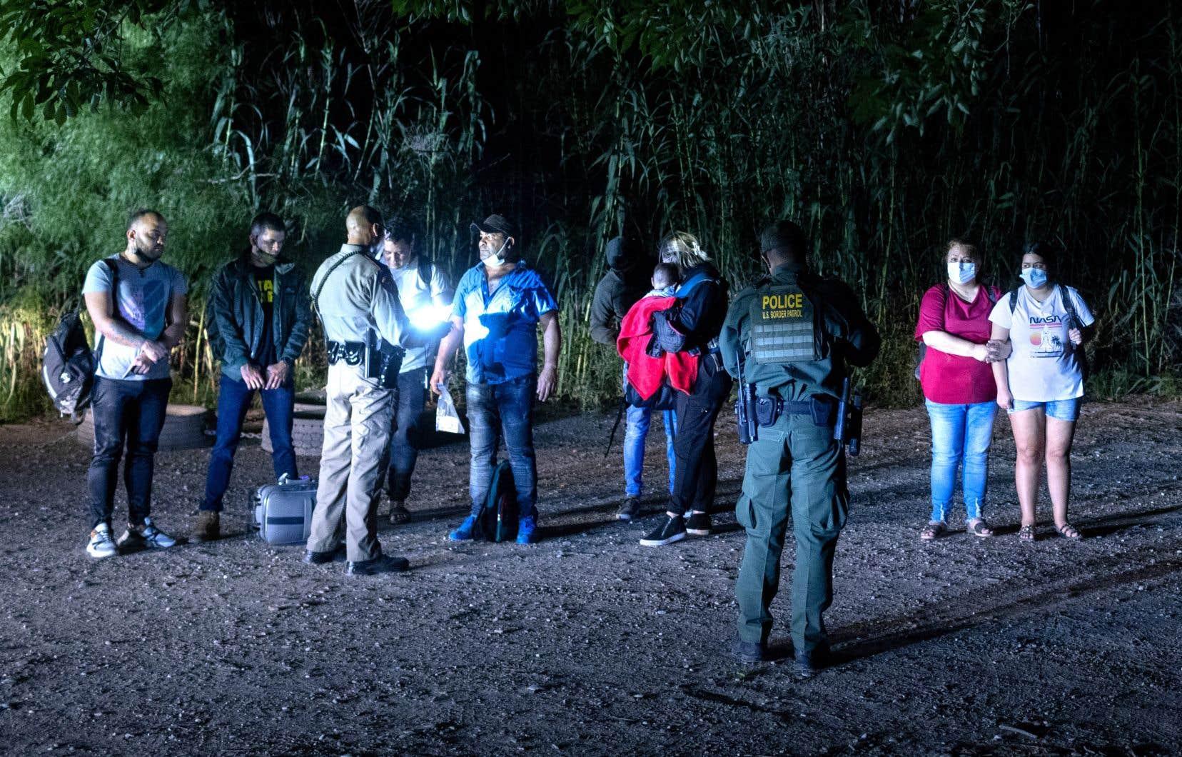 Selon le rapport, 3,9millions de Vénézuéliens se trouvaient à l'extérieur de leur pays l'an dernier, dont ceux-ci, tentant de traverser la frontière américaine.