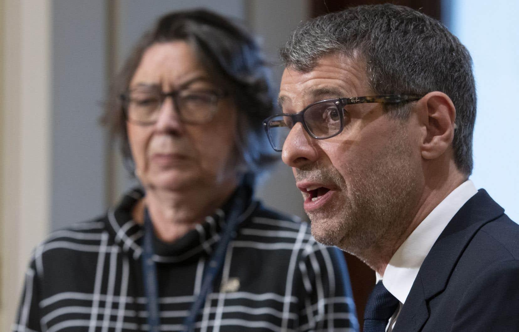 Claire Samson confirme qu'elle se joint au Parti conservateur du Québec dans un point de presse avec Éric Duhaime.