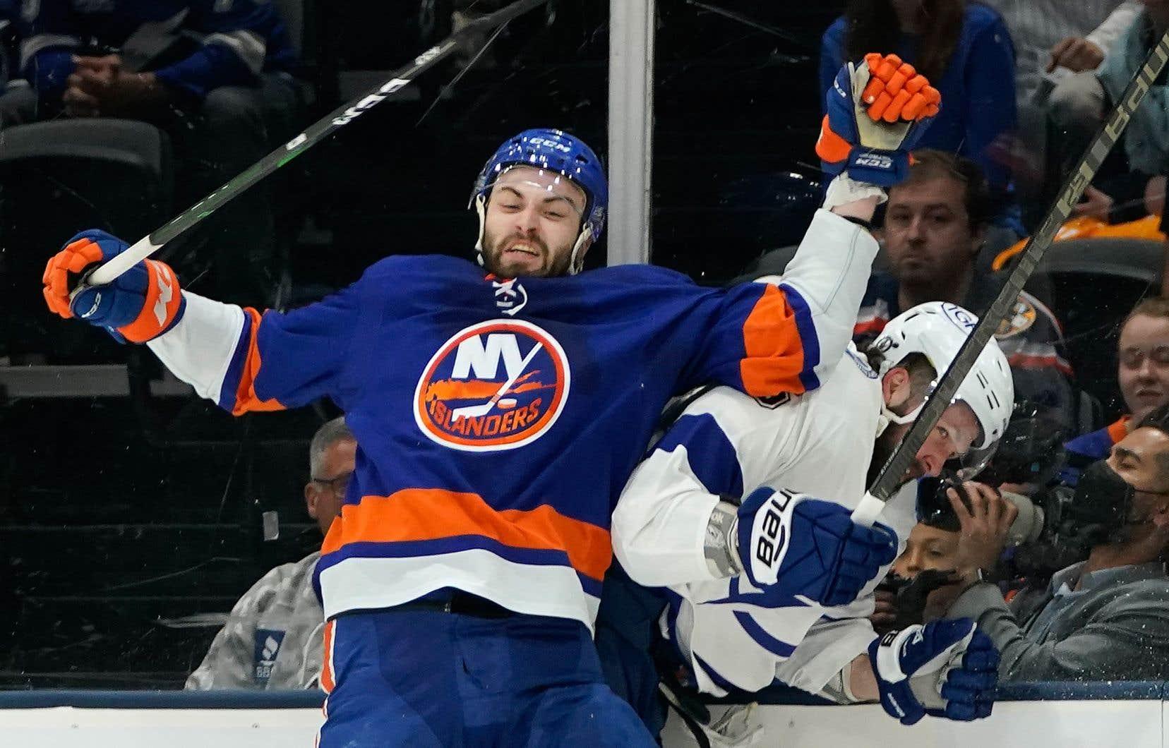 Le défenseur des Islanders de New York, Adam Pelech