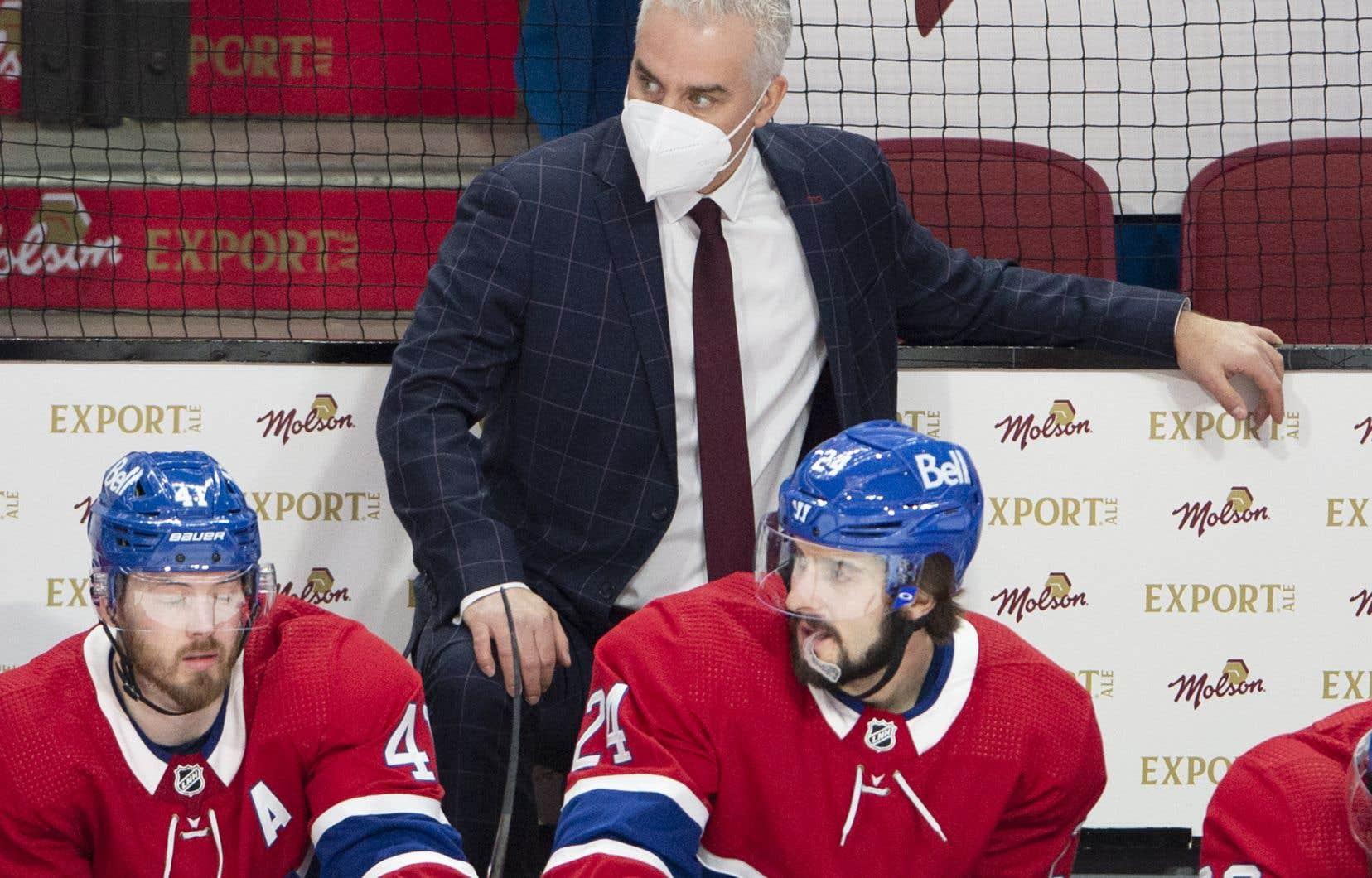 L'entraîneur-chef par intérim du Canadien de Montréal, Dominique Ducharme, s'est dit frustré de se retrouver à l'écart en raison d'un contrôle positif à la COVID-19.