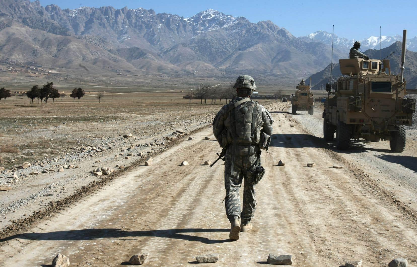 Depuis l'annonce du président américain, les opérations de retrait ont déjà été réalisées à plus de 50%. Mais ce retrait n'a fait qu'exacerber la peur de nombreux Afghans, qui redoutent de voir les talibans revenir au pouvoir et imposer le même régime fondamentaliste que lorsqu'ils gouvernaient le pays.