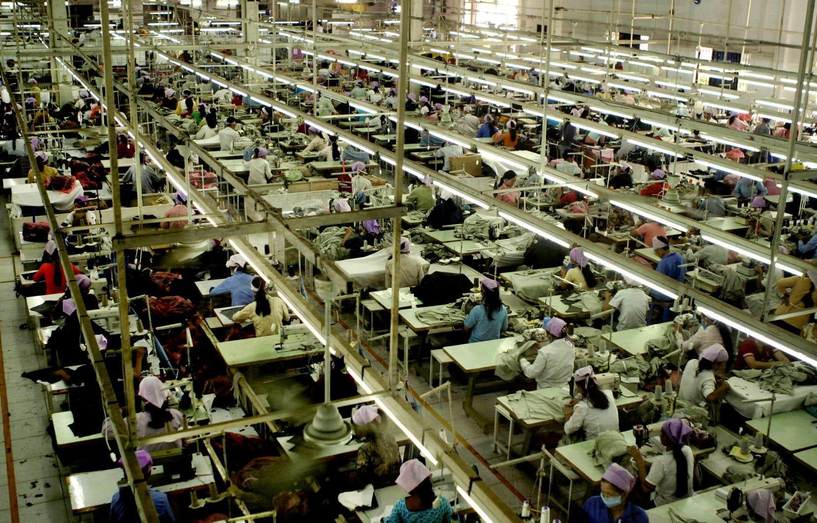 Une interdiction d'importer des biens issus du travail forcé a été adoptée en juillet 2020, mais elle n'est toujours pas mise en application, fait valoir le rapport de l'organisation Above Ground.