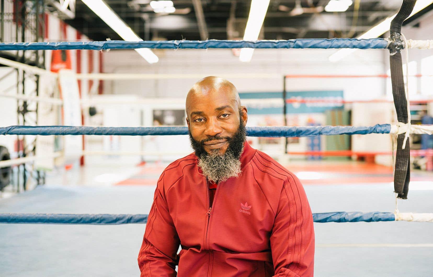 L'ex-boxeur et fondateur de l'organisme Ali et les Prince*sse*s, Ali Nestor