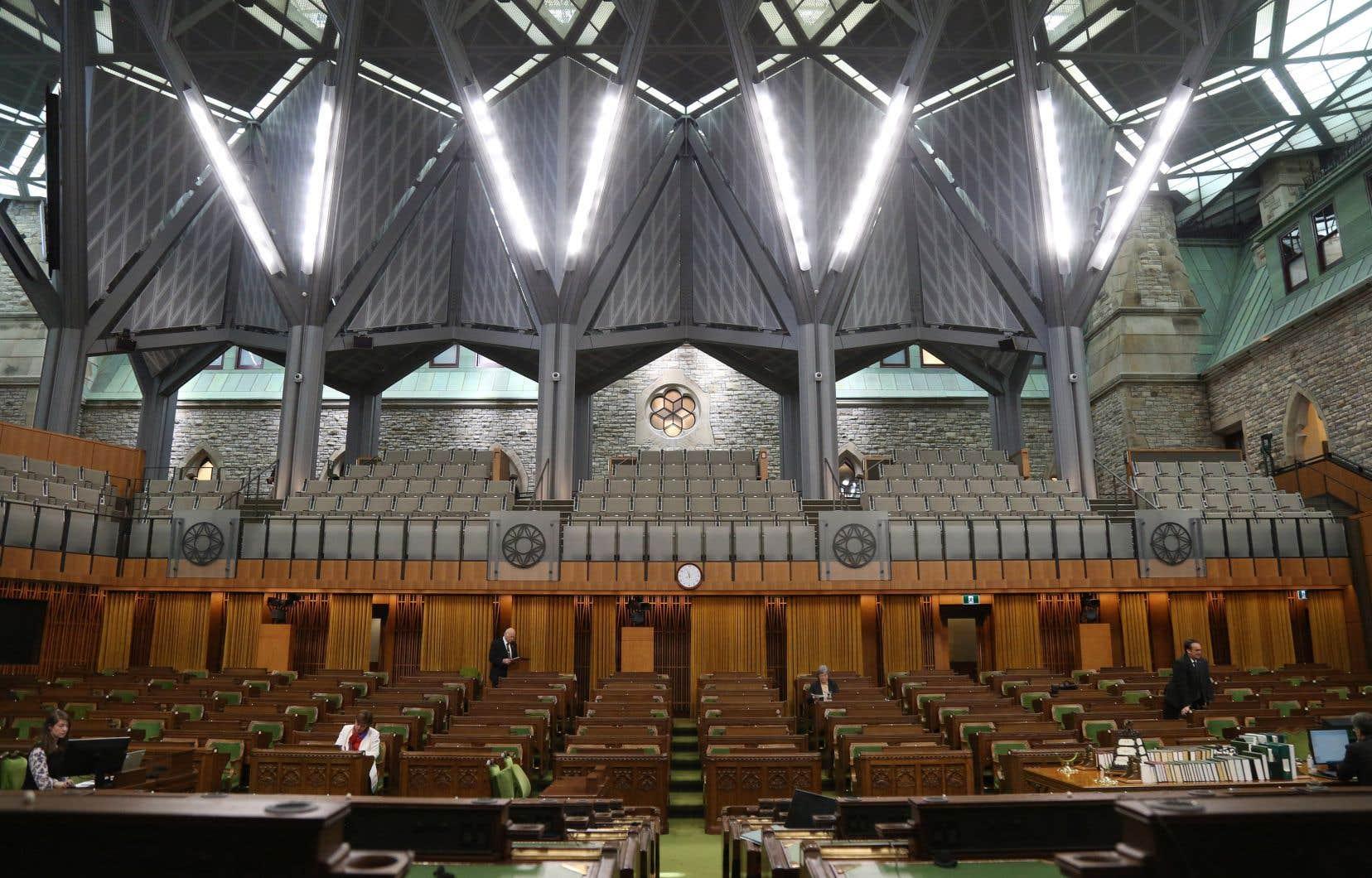 Après plusieurs semaines d'obstruction, le projet de loi C-10 sur la radiodiffusion a été adopté mardi, au petit matin, à la Chambre des communes.
