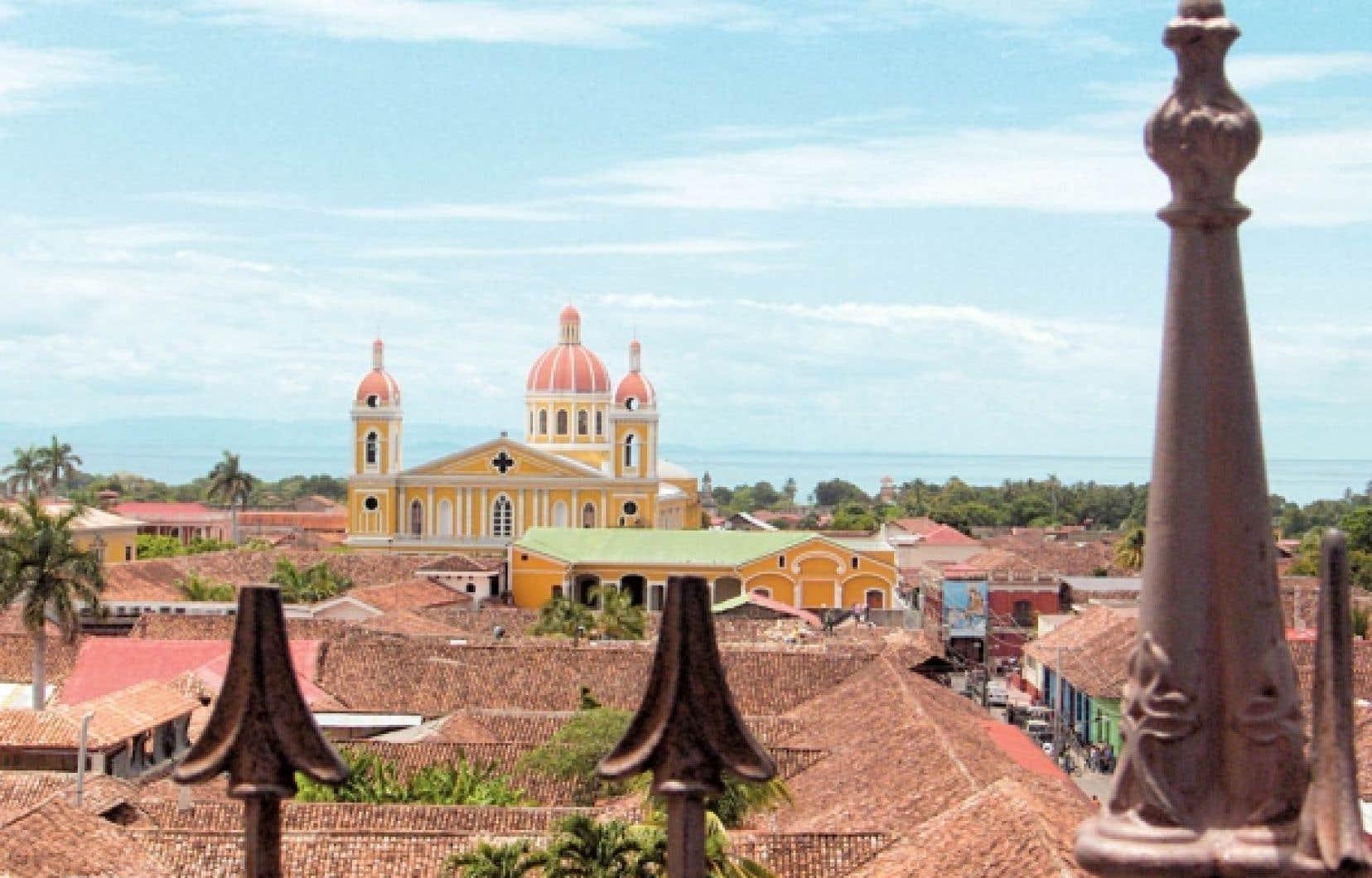 Granada est le joyau du Nicaragua, le pays le plus pauvre de la zone Amérique centrale-Caraïbes, après Haïti. En 2009, le PNB par habitant était de 1,010 $US. Au Mexique? 8,960 $US (estimations UNICEF).<br />