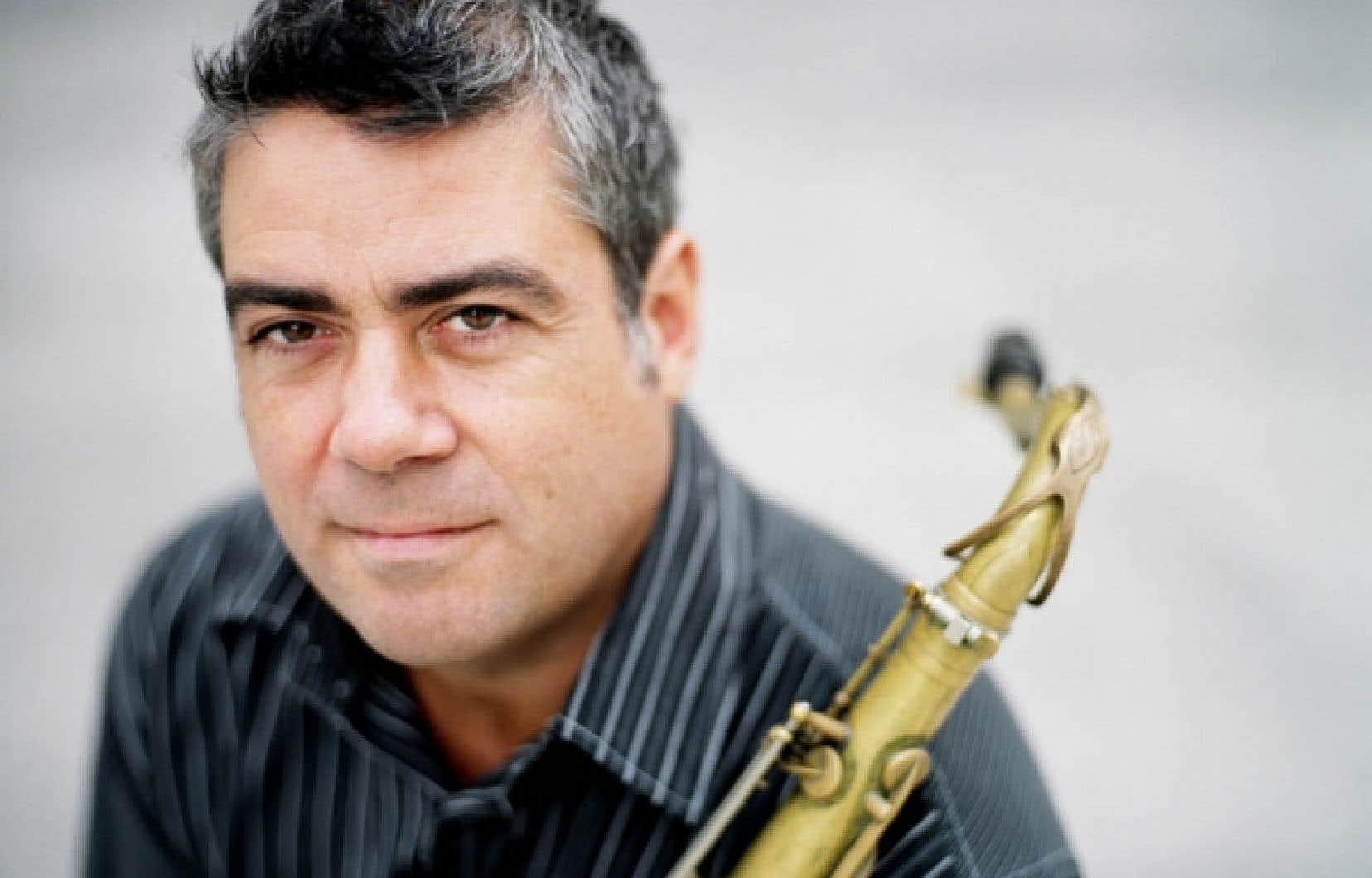 Le saxophoniste André Leroux a un son qui se singularise par sa puissance et sa densité. Il a un style qui se caractérise par sa vélocité et l'abondance des idées.<br />