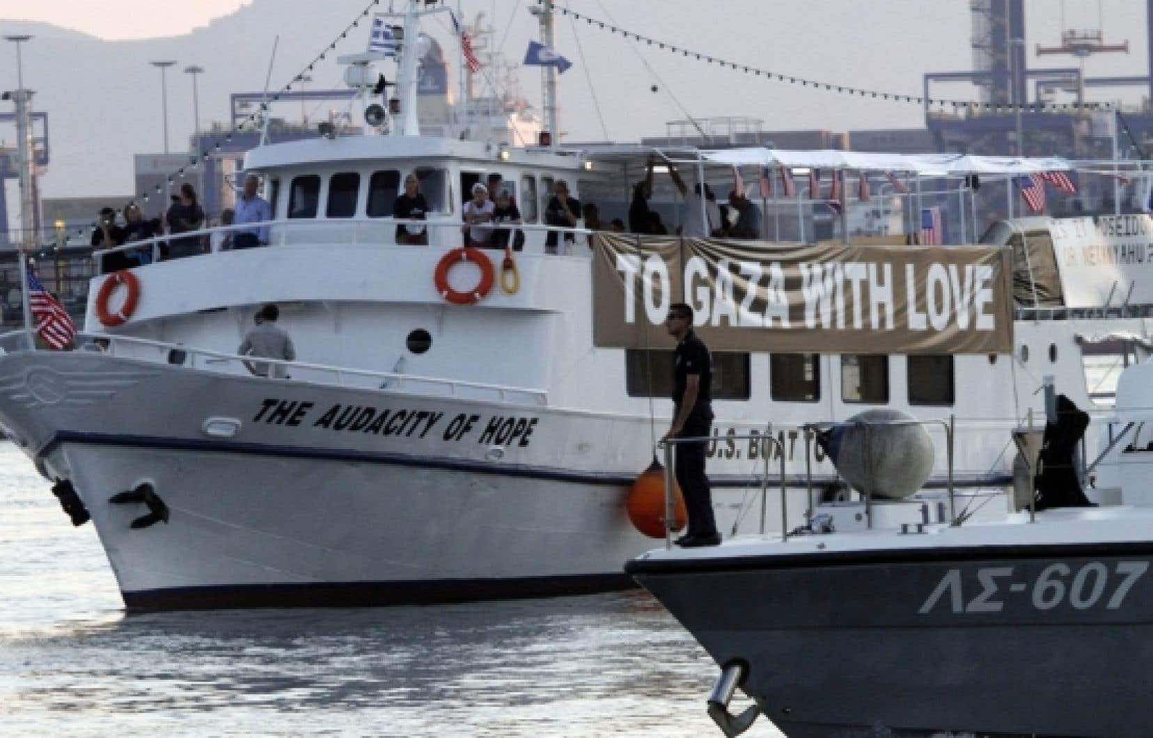 Le capitaine de l'Audacity of Hope est accusé d'avoir tenté de quitter le port sans permission et d'avoir mis la vie des passagers du bateau en danger. La deuxième accusation rend le capitaine passible d'emprisonnement.