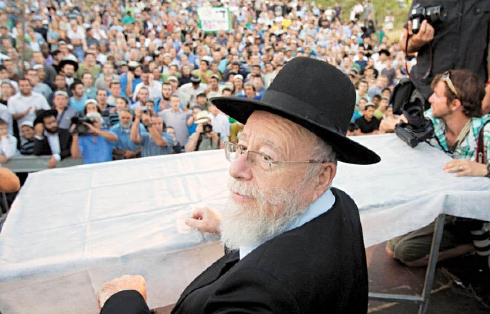 Le rabbin Dov Lior hier, à Jérusalem.<br />