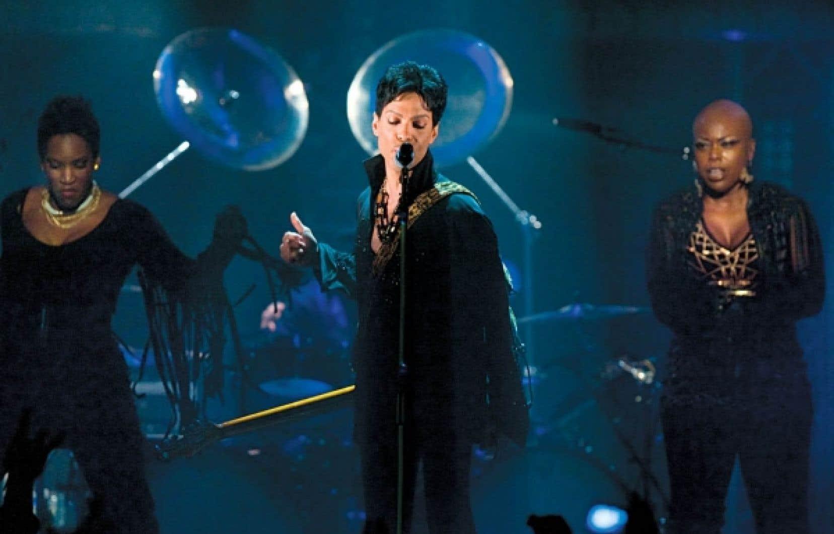 Quatre heures avec Prince pour une formidable démonstration de funk mâtiné de soul, de rock, de blues, de jazz.<br />