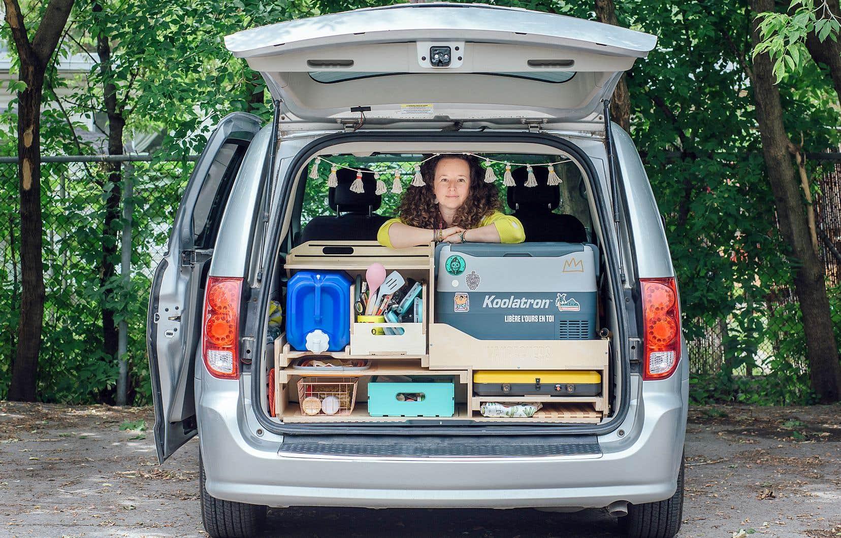 L'entreprise Le Baroudeur a elle aussi connu un bond de popularité, qui l'a poussée à augmenter sa flotte à 20 véhicules et à fabriquer des kits d'aménagements pour les personnes ayant une minifourgonnette.