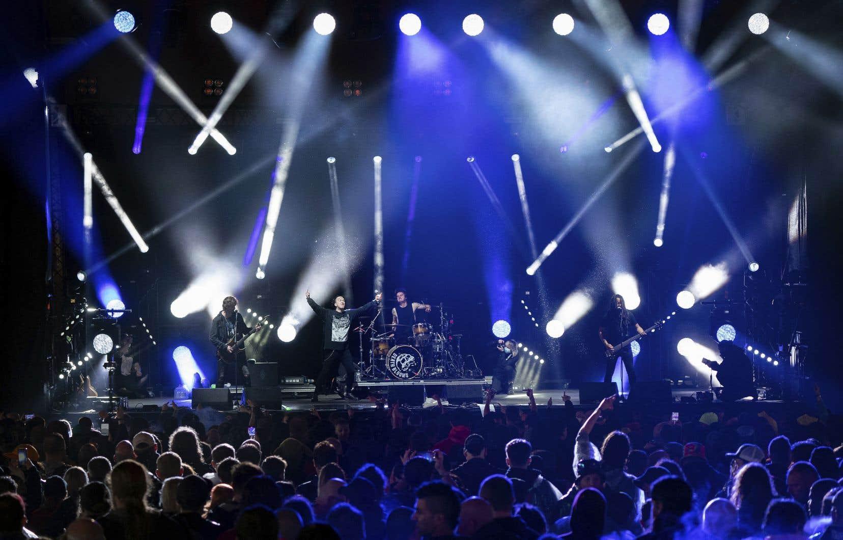 Des événements «live» comme la cérémonie des Brit Awards, le Download Festival ou des matchs de football au stade de Wembley ont été utilisés pour évaluer la sécurité des rassemblements de masse en temps de pandémie.