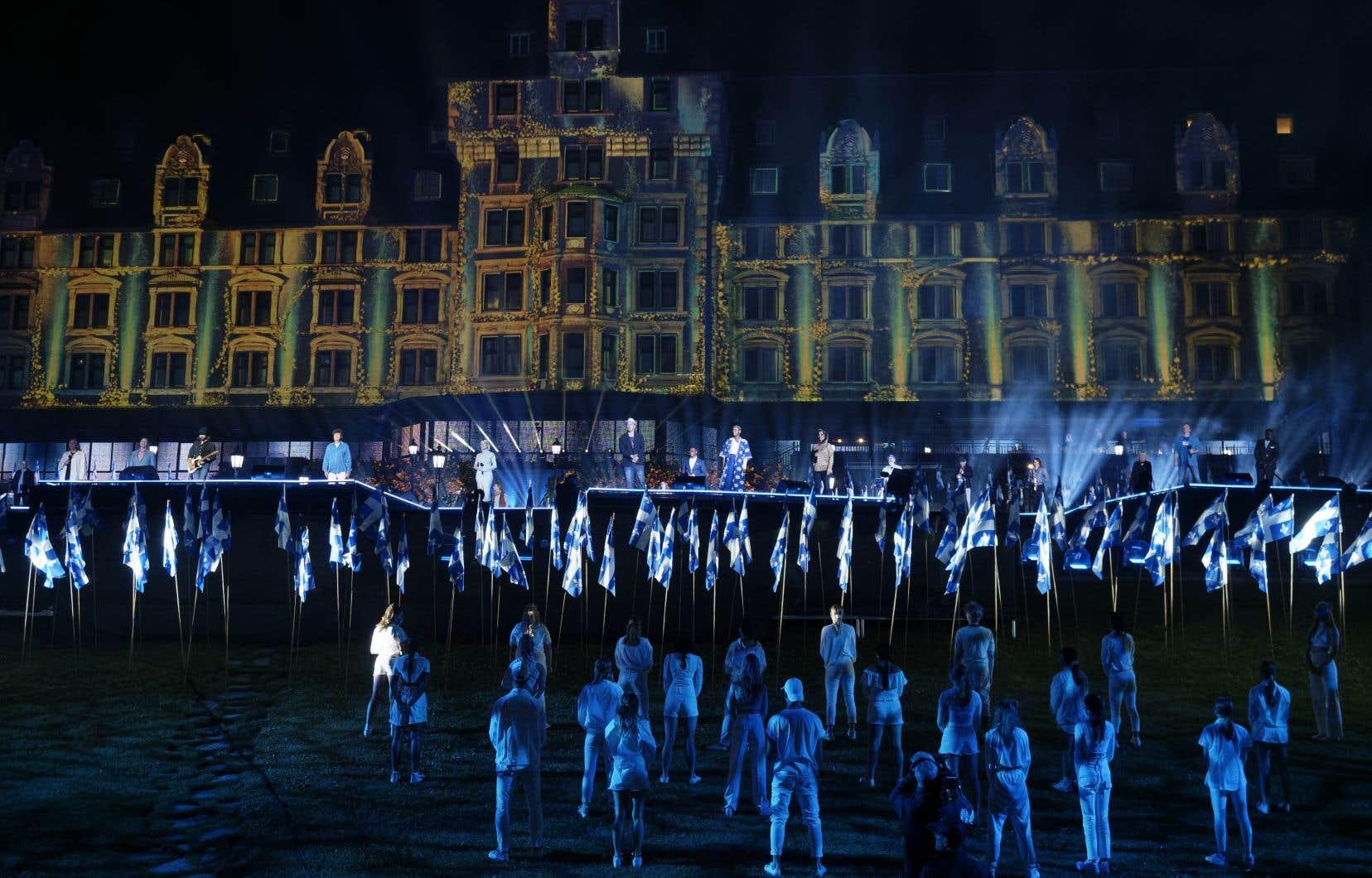 Enregistré le 22juin dernier au Manoir Richelieu de La Malbaie, dans la région de Charlevoix, le grand spectacle de la Saint-Jean a réuni près de 200 artistes.