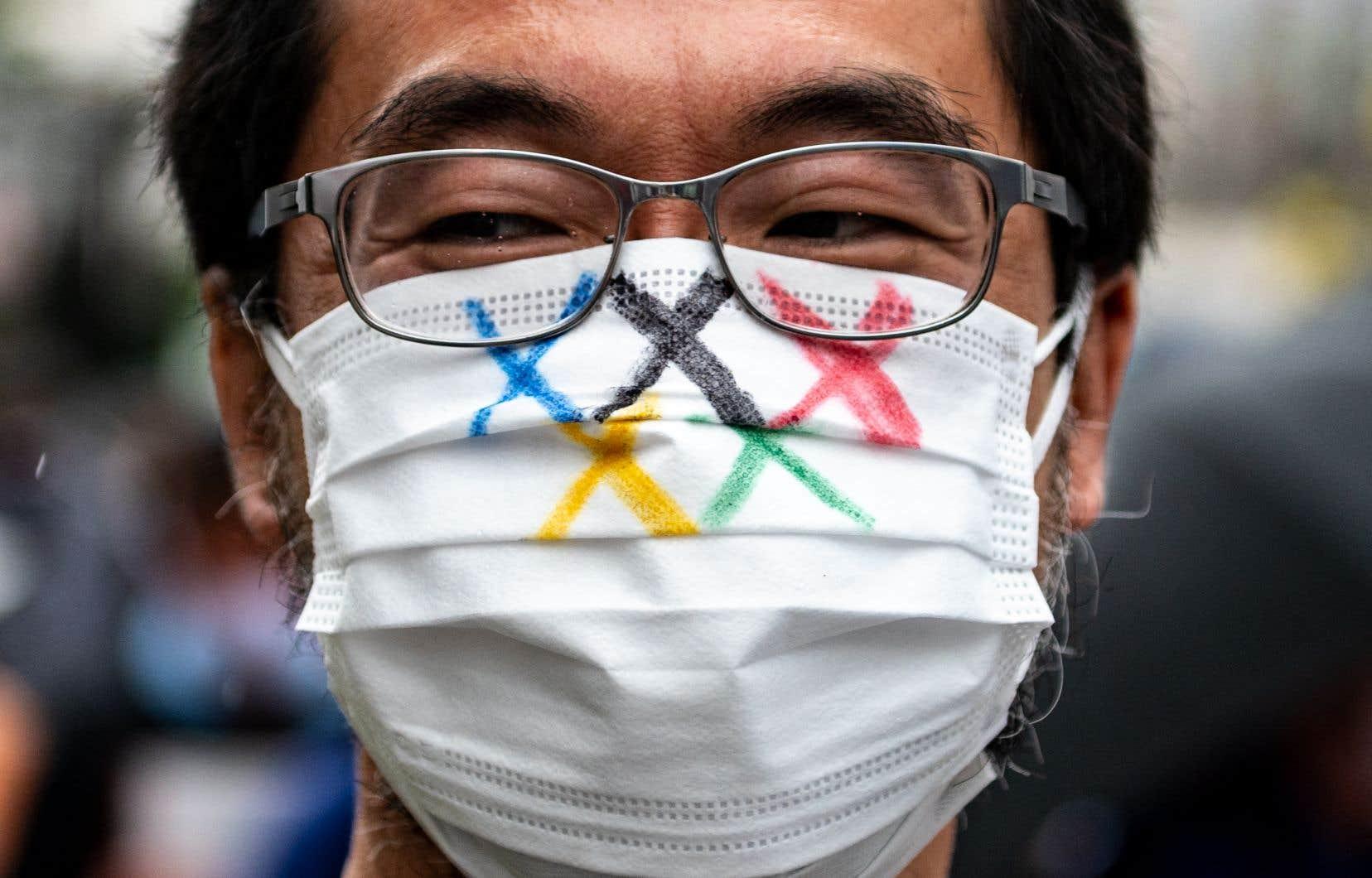 La décision d'autoriser les spectateurs va à l'encontre de nombreux experts médicaux qui ont déclaré que les Jeux olympiques les plus sécuritaires seraient sans spectateurs en raison du coronavirus.