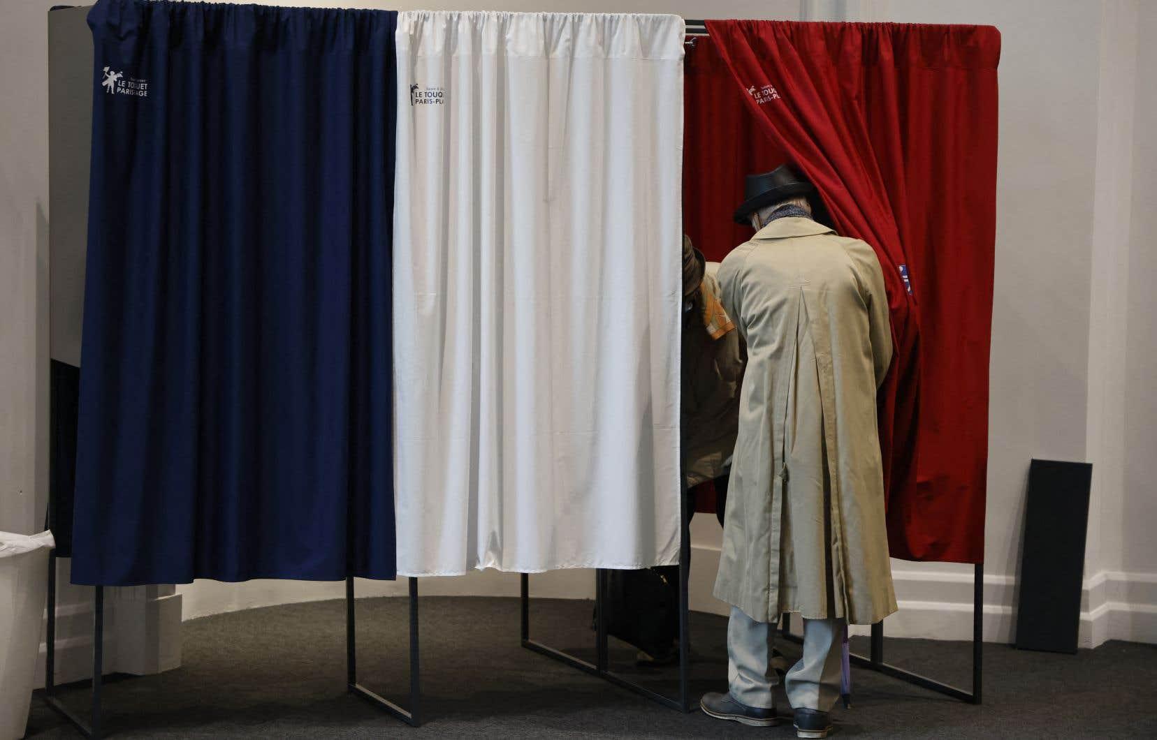Lors du premier tour, le 20juin, les deux tiers (66,72%) des quelque 48millions d'électeurs français ne s'étaient pas exprimés.