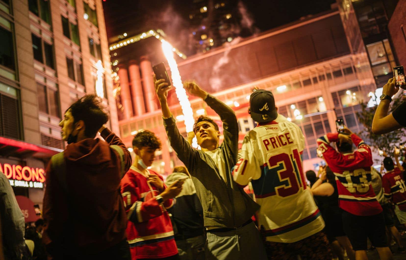 Jeudi dernier, des milliers de partisans ont célébré la qualification du Tricolore pour la finale de la Coupe Stanley aux abords du Centre Bell.
