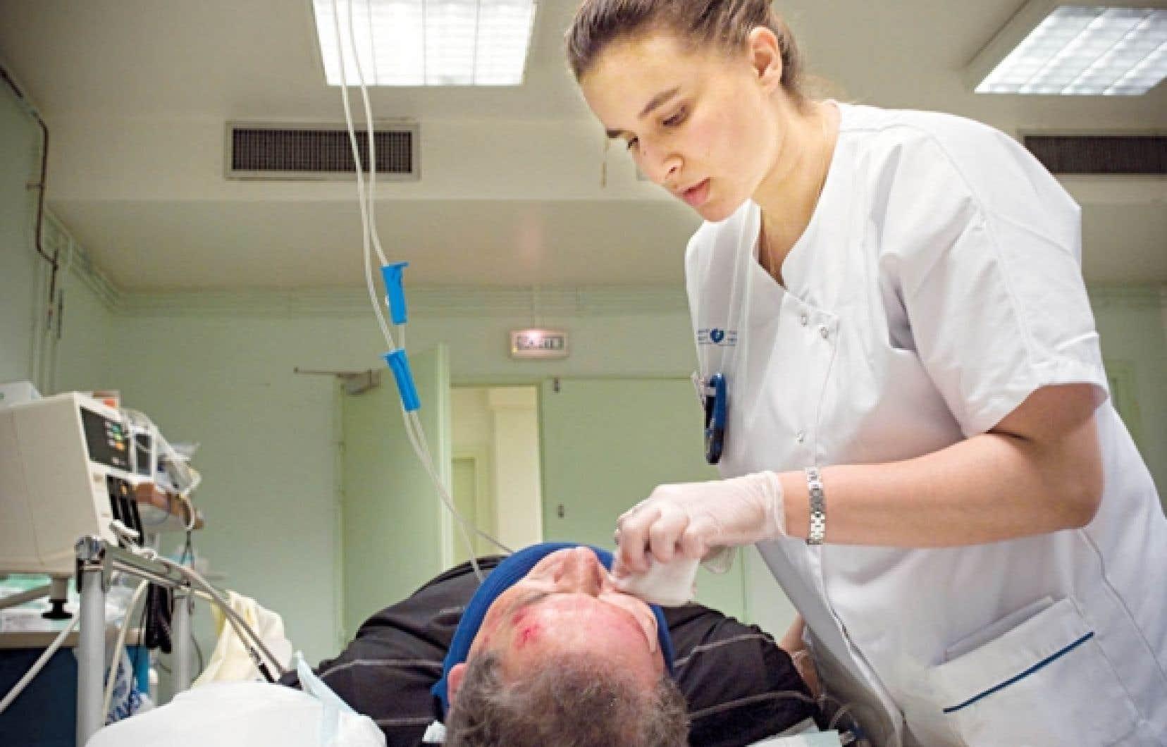 Une des difficultés, c'est l'offre de stages aux travailleurs français, ceux de la santé notamment.<br />
