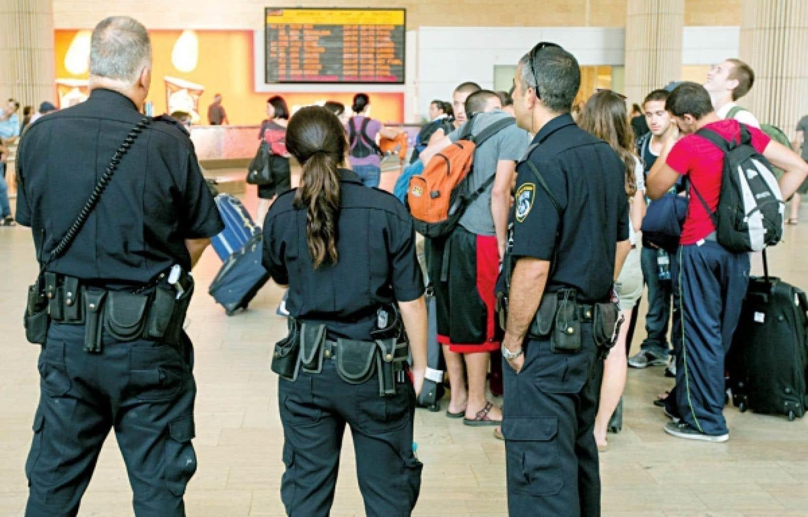 La sécurité a été renforcée hier à l'aéroport Ben Gourion de Tel-Aviv.<br />