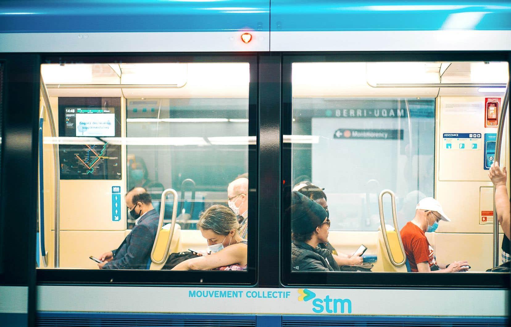 Quand elle sera en vigueur en 2023, la gratuité tant pour les enfants que pour les aînés coûtera 40 millions de dollars, a précisé la mairesse de Montréal, Valérie Plante, mardi.