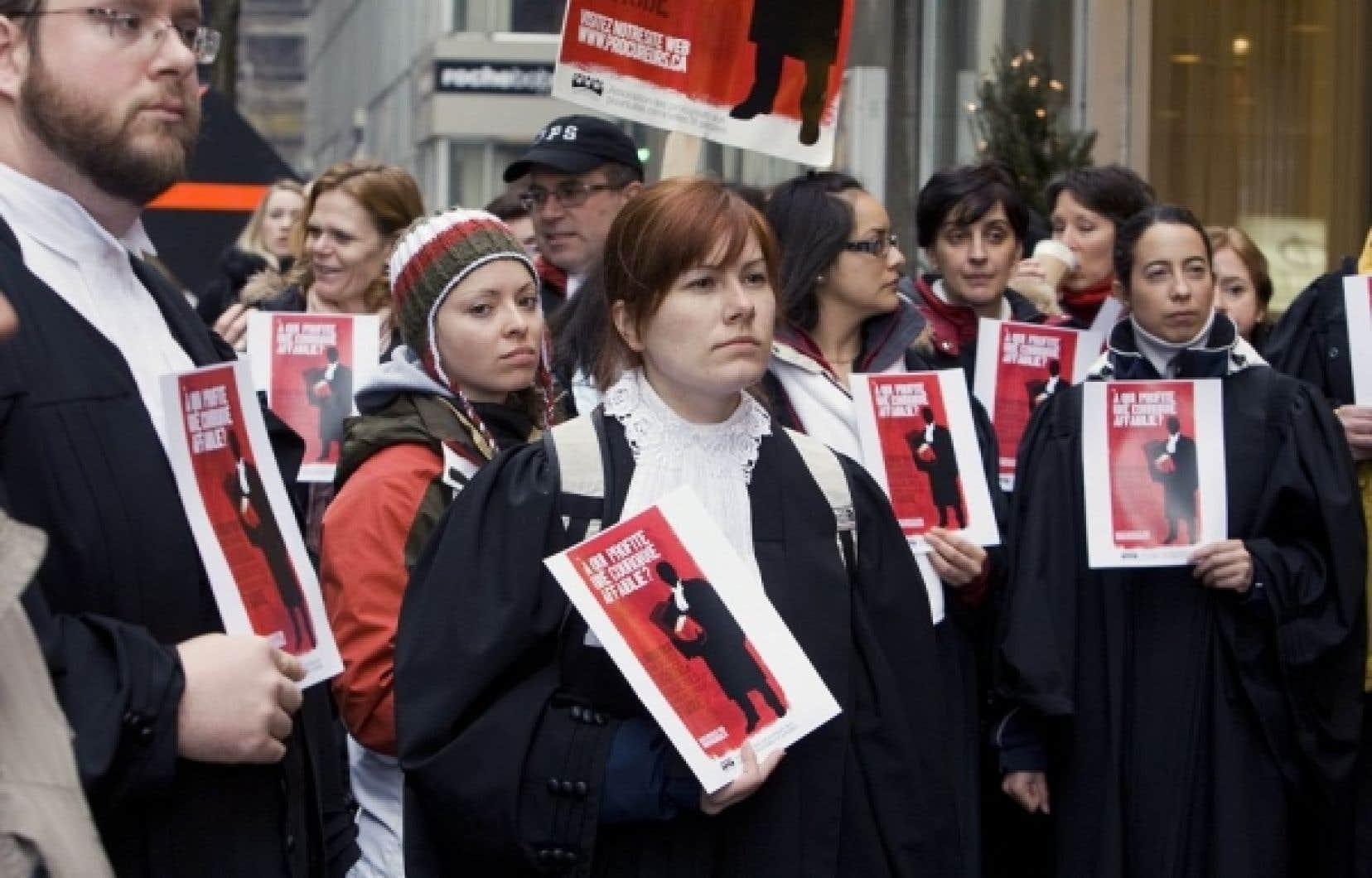 L'hiver dernier, les procureurs du gouvernement ont été forcés au retour au travail par une loi spéciale.