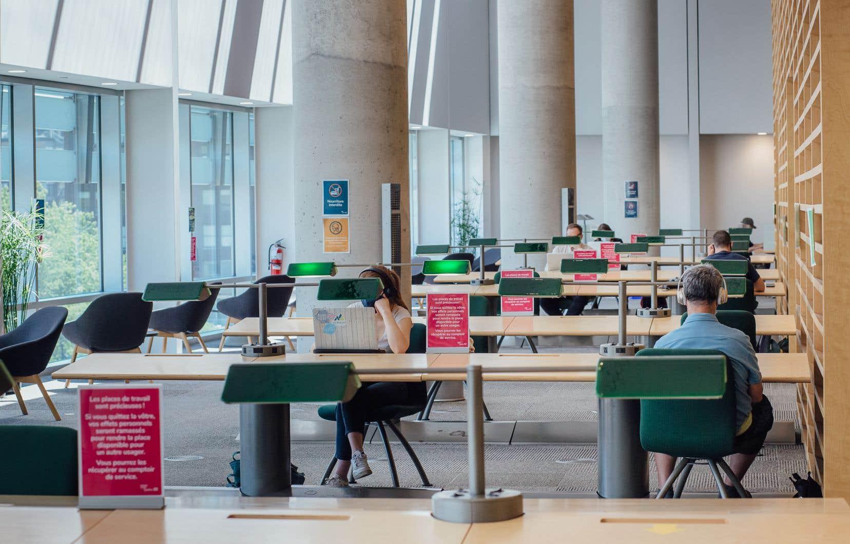 À Bibliothèque et Archives nationales du Québec (BAnQ), les frais de retard ont déjà monté jusqu'à un sommet de 500$.