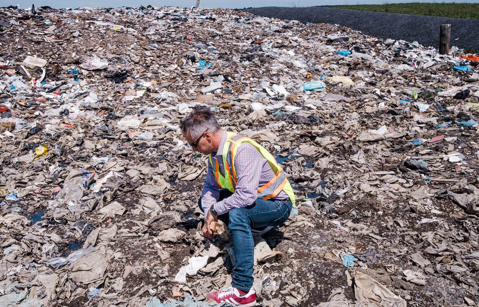 Le projet de Viridis Environnement pourrait réduire du tiers le tonnage de matières qui s'accumulent sur le site d'enfouissement de Saint-Côme-Linière. Même dans les villes qui offrent la collecte des matières organiques, de grandes quantités de contenu compostable subsistent dans le sac poubelle, explique François Léveillée, directeur de la commercialisation de l'entreprise.