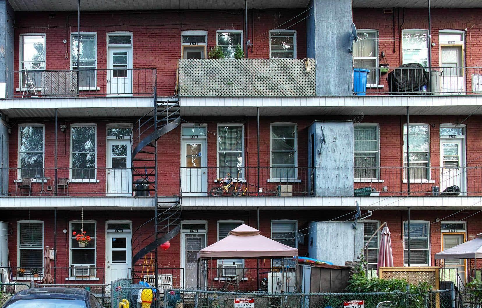 À la grandeur du Québec, le nombre de ménages locataires qui se retrouveront sans logis jeudi s'élève à environ 400, selon les calculs du Front d'action populaire en réaménagement urbain (FRAPRU).
