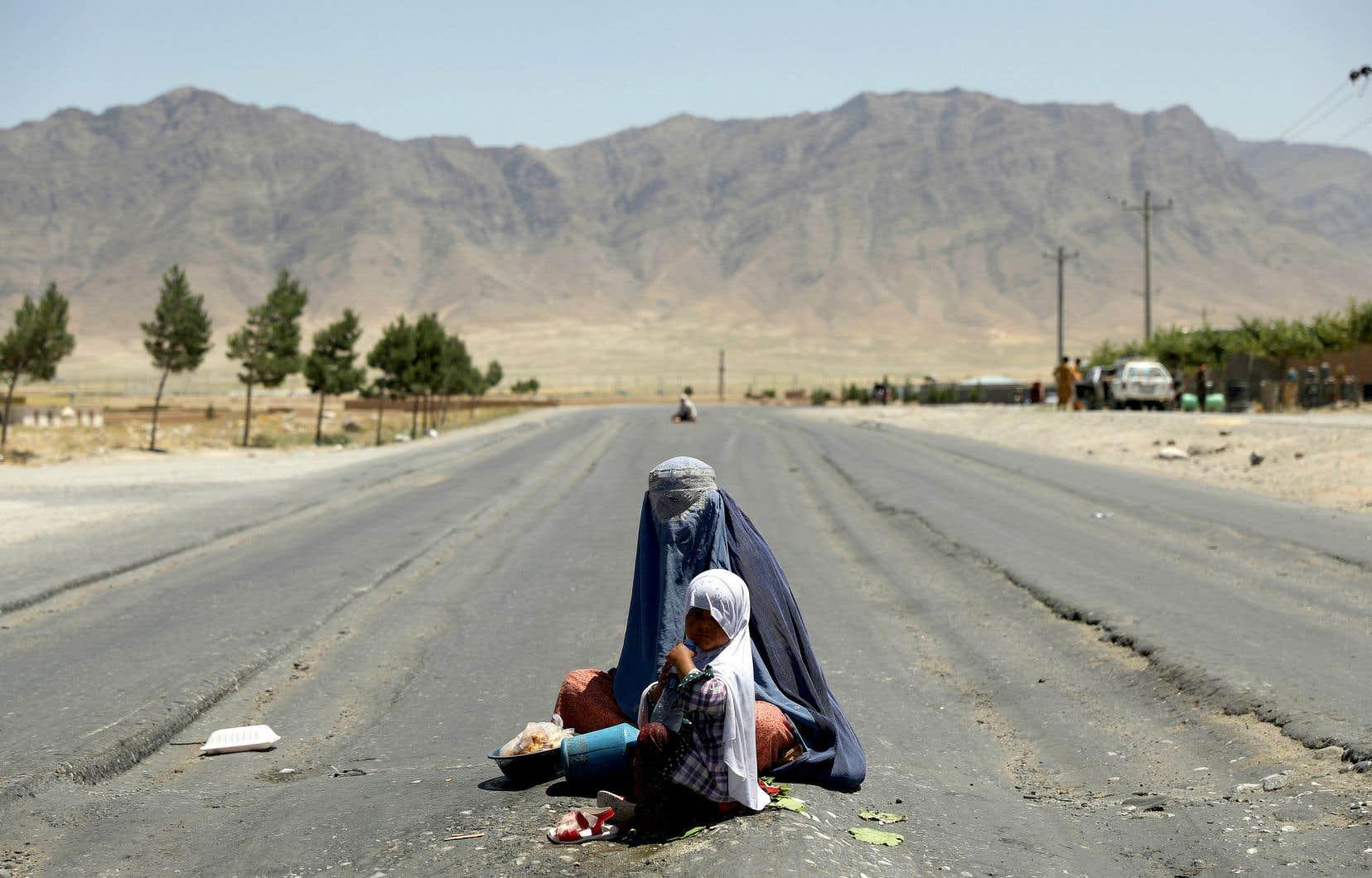 Les habitants de Bagram s'attendent à ce que la situation sécuritaire se dégrade après le départ des troupes étrangères. L'économie et la sécurité du secteur reposait en bonne partie sur l'activité de la base militaire.