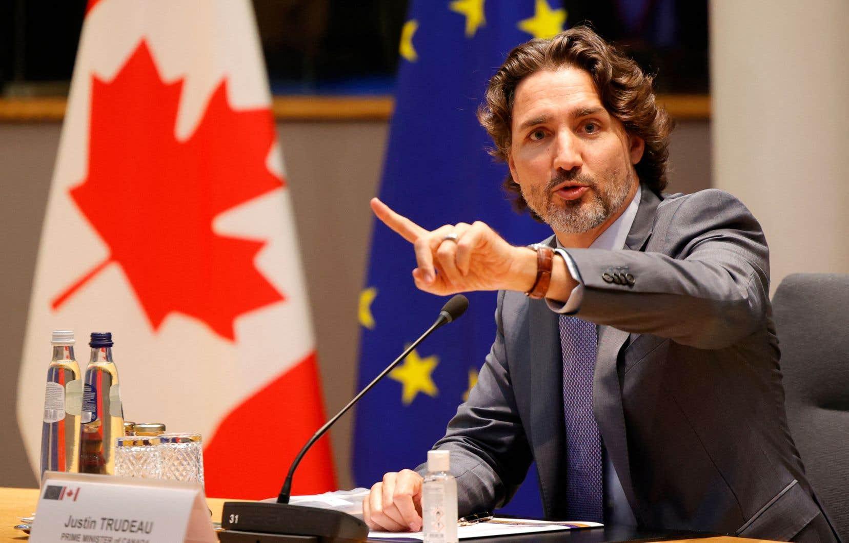 «Justin Trudeau devait renouer avec la tradition établie depuis 1945, mais ses nombreux renoncements et tergiversations ont fait en sorte que sa diplomatie est devenue illisible», écrit l'auteur.