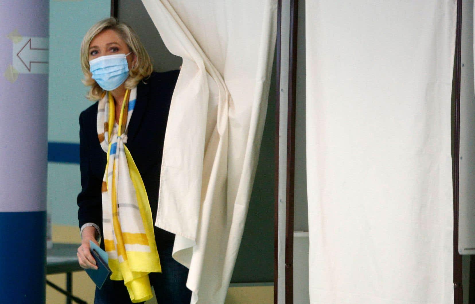 Marine Le Pen au sortir de l'isoloir, le 27 juin dernier