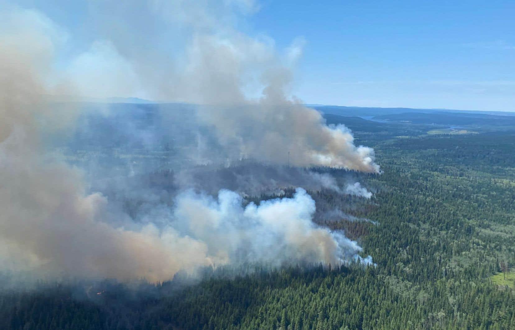 «Je ne peux qu'insister sur le fait que le risque d'incendie est actuellement extrême dans presque toutes les régions de la Colombie-Britannique et j'exhorte les Britanno-Colombiens à écouter attentivement les autorités et à suivre les directives», a prié le premier ministre de la province, John Horgan.