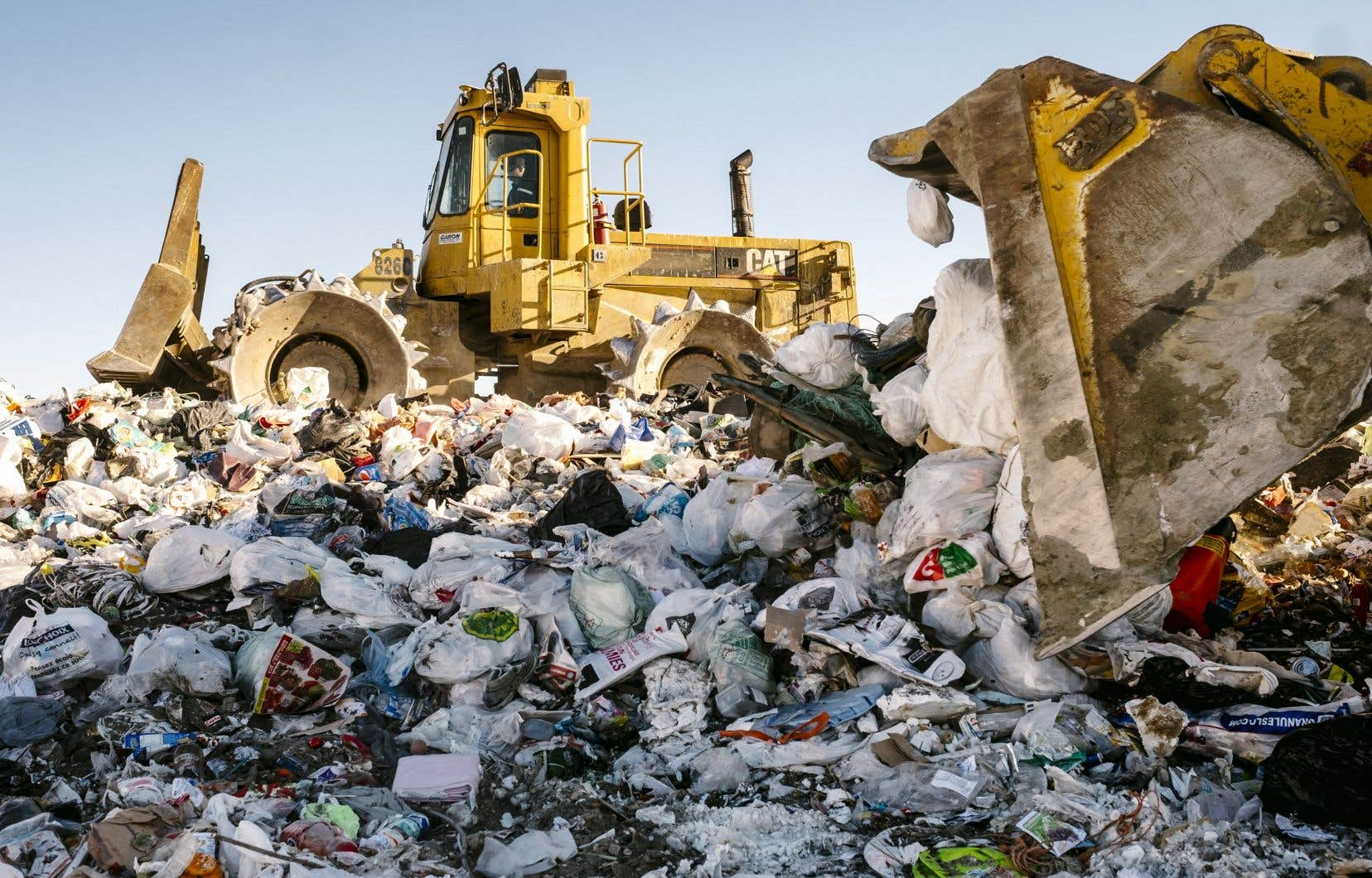En 2011, le gouvernement avait prévu de réduire à zéro l'enfouissement des matières organiques dès 2020, notamment en se tournant vers le compostage.