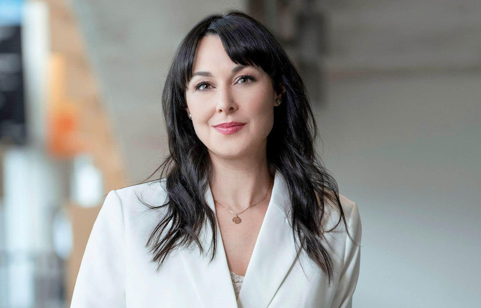 L'animatrice Claudia Larochelle, également autrice, reprend du service avec une nouvelle émission entièrement consacrée à la littérature d'ici et à ses créateurs.