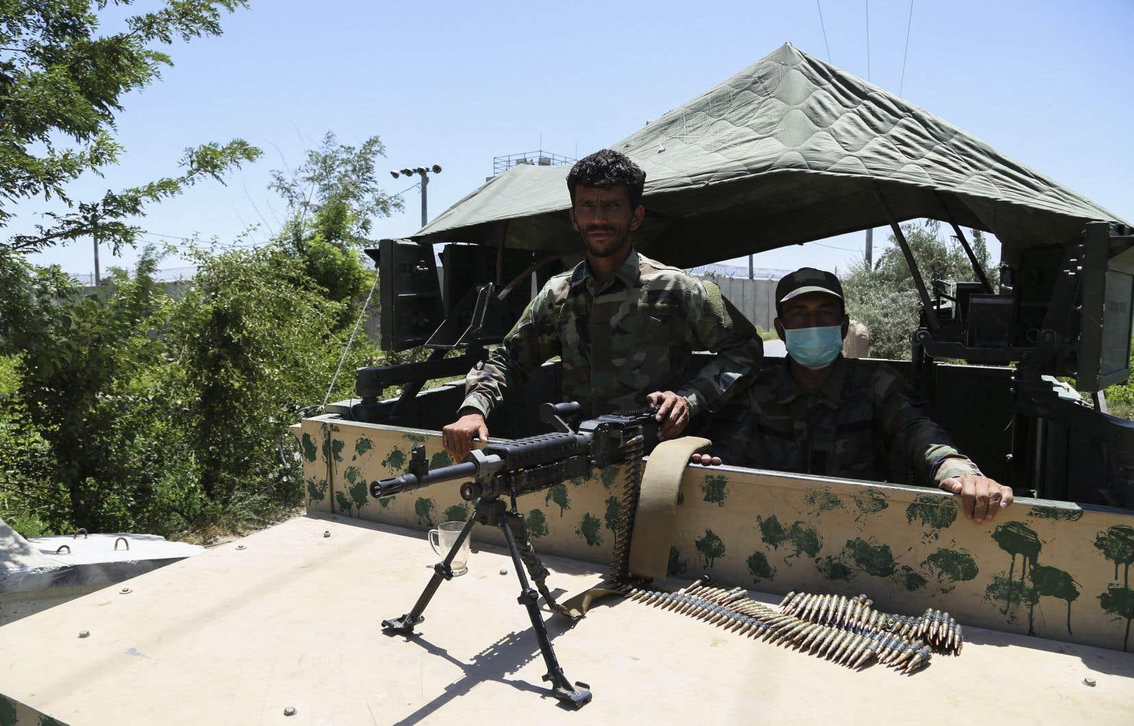 Le pays traverse «l'une des étapes les plus compliquées de la transition», alors que le départ des troupes étrangères touche bientôt à sa fin et que les combats font rage, a affirmé jeudi le président afghan, Ashraf Ghani.