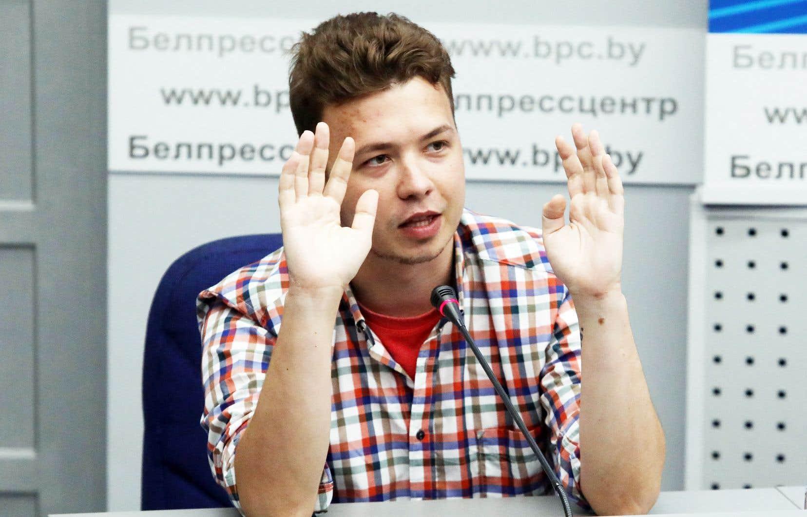 Le point culminant a été atteint avec l'arrestation fin mai de Roman Protassevitch: l'avion de ligne dans lequel il voyageait a été intercepté au-dessus du territoire biélorusse et dérouté au motif d'une alerte à la bombe présumée.
