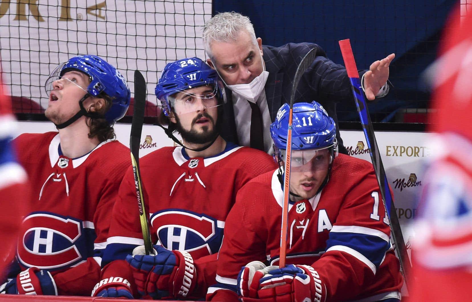 """«La journée que j'ai fait le changement avec """"Dom"""", mon intention était de le garder ici, à Montréal, à long terme. [...] C'est certain qu'il [Ducharme] a fait de l'excellent boulot pour nous amener en finale, mais déjà là, nous, à l'interne, on croyait en Dominique Ducharme» (sur la photo), a mentionné Bergevin."""