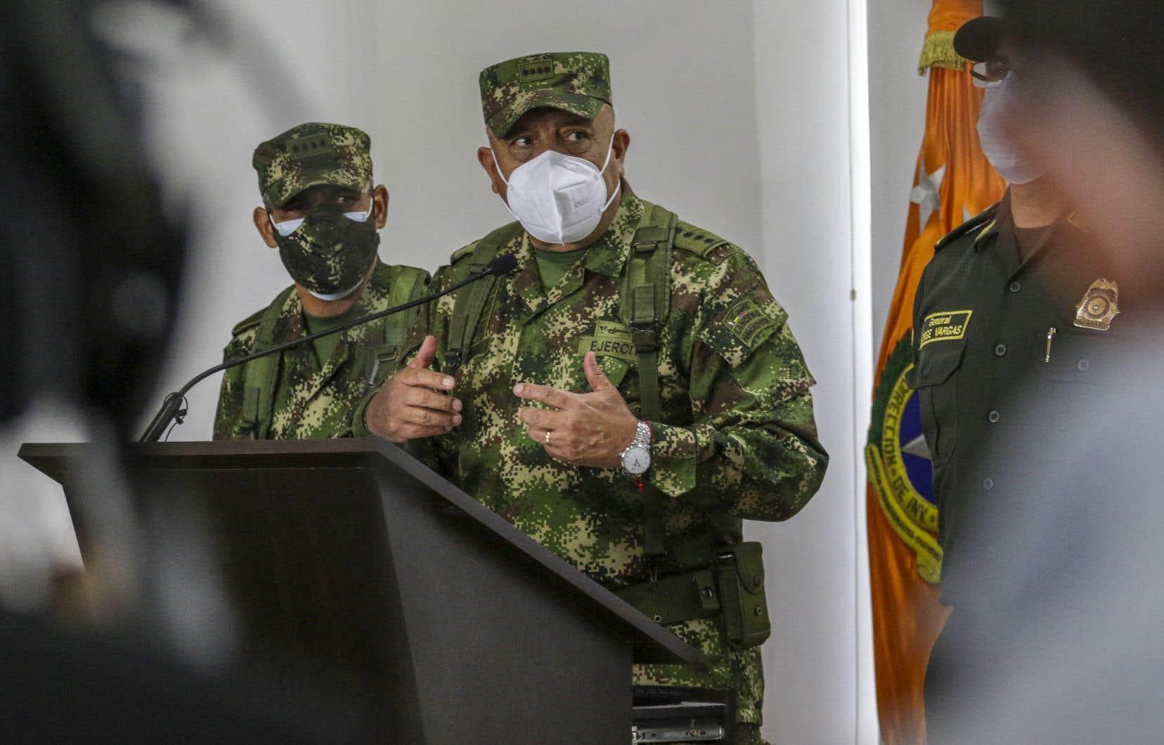 Bogota a confirmé qu'au moins 17 de 26 hommes arrêtés étaient des ex-membres de son armée.