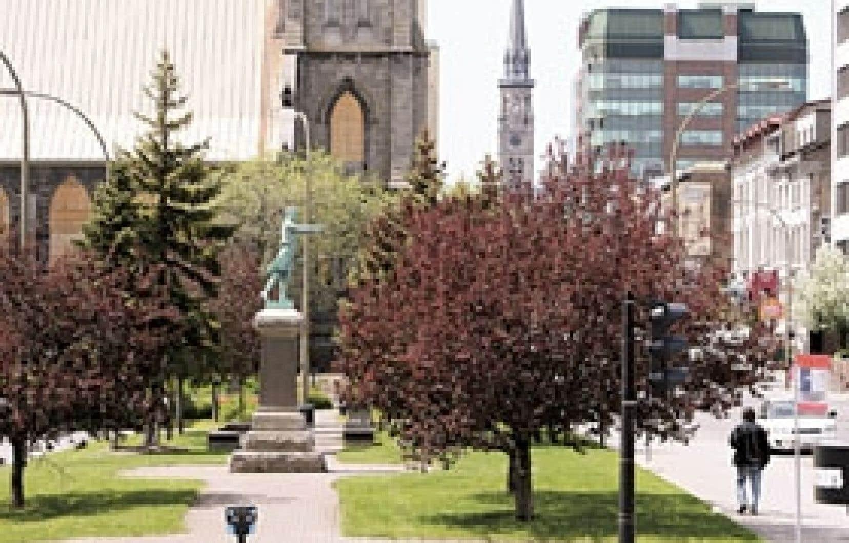 La parc Chénier, sur le terrain donné à Montréal au XIXe siècle par Louis-Joseph Papineau.