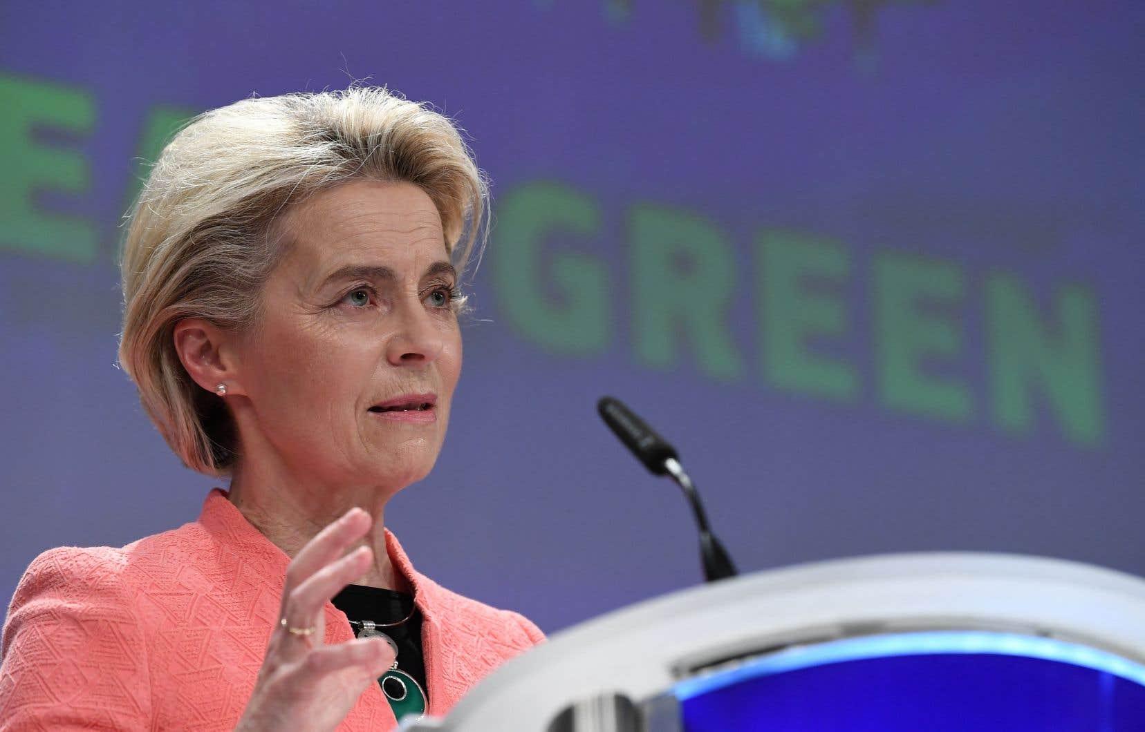 «Notre plan combine la réduction d'émissions carbone avec des mesures pour préserver la nature et placer l'emploi et l'équité sociale au cœur de cette transformation» verte, a souligné Ursula von der Leyen.