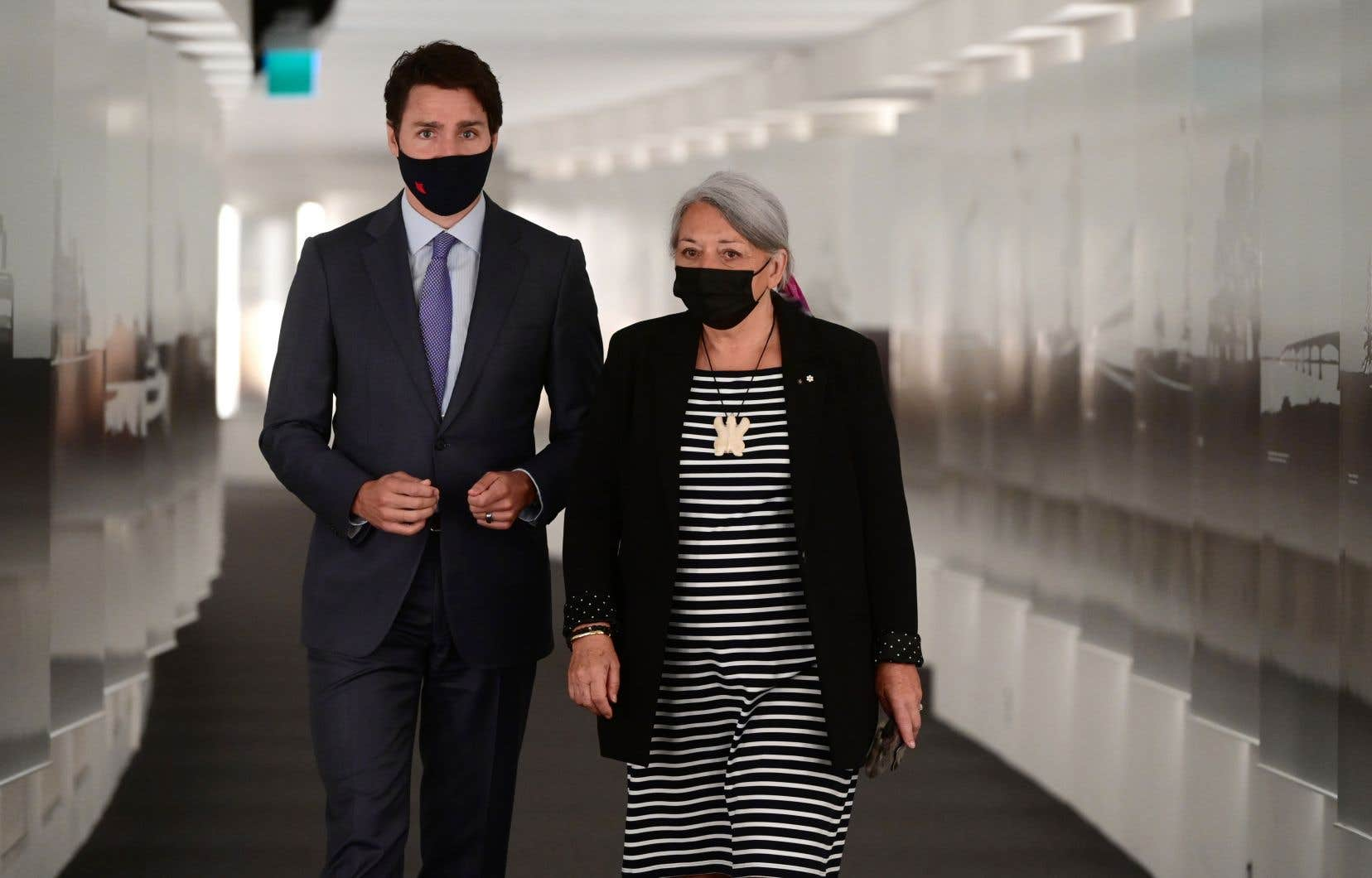 La gouverneure générale, Mary Simon, avec le premier ministre, Justin Trudeau, auMusée canadien de l'histoire à Gatineau.
