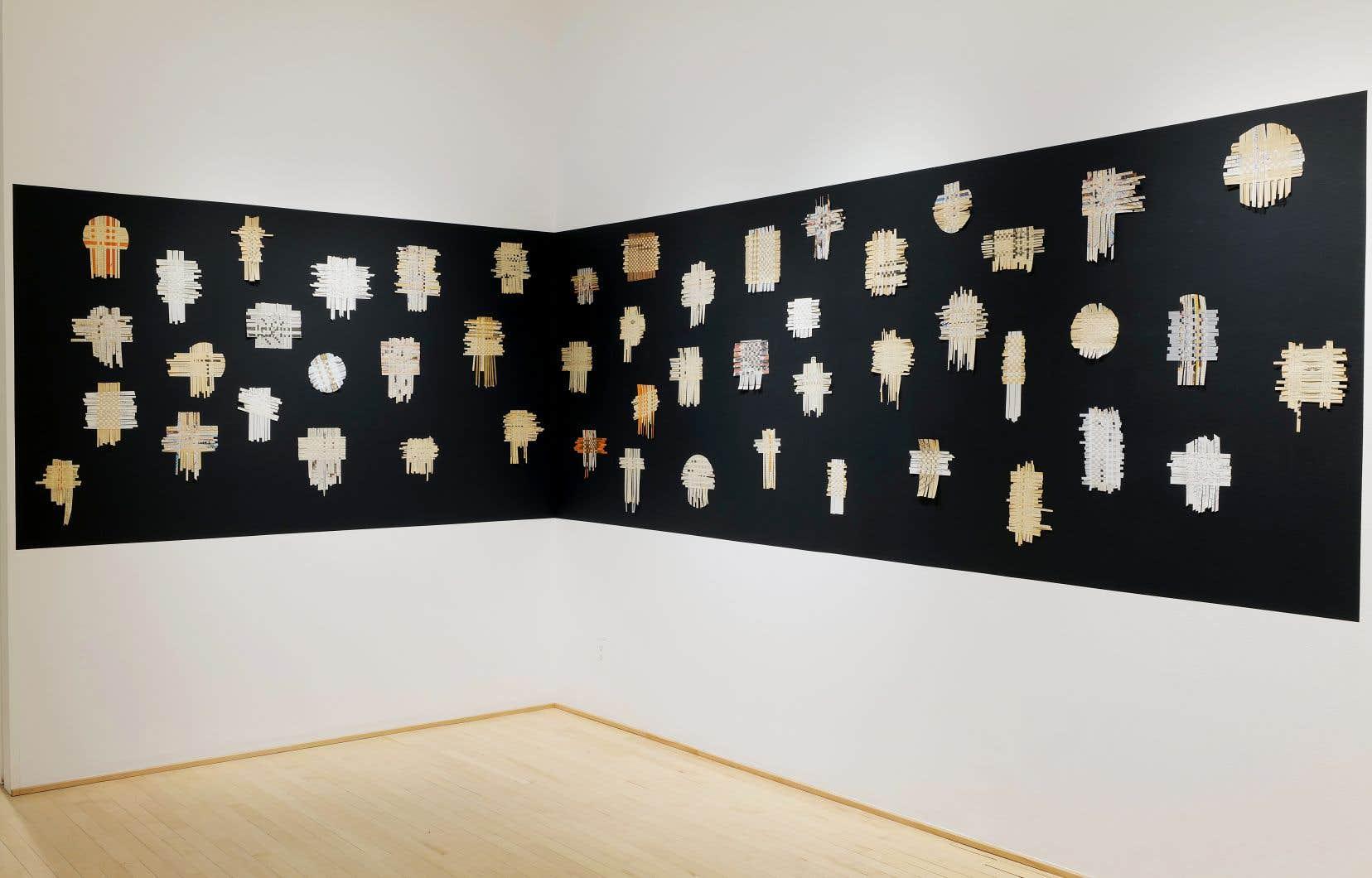 Dans «Mes histoires courent, courent», c'est l'artiste Shahla Bahrami qui vole la vedette. Les petits tissages intitulés«Tapis persan» (2017-2021) sont portés par les mots (en farsi) et un rapport trouble à l'expression.