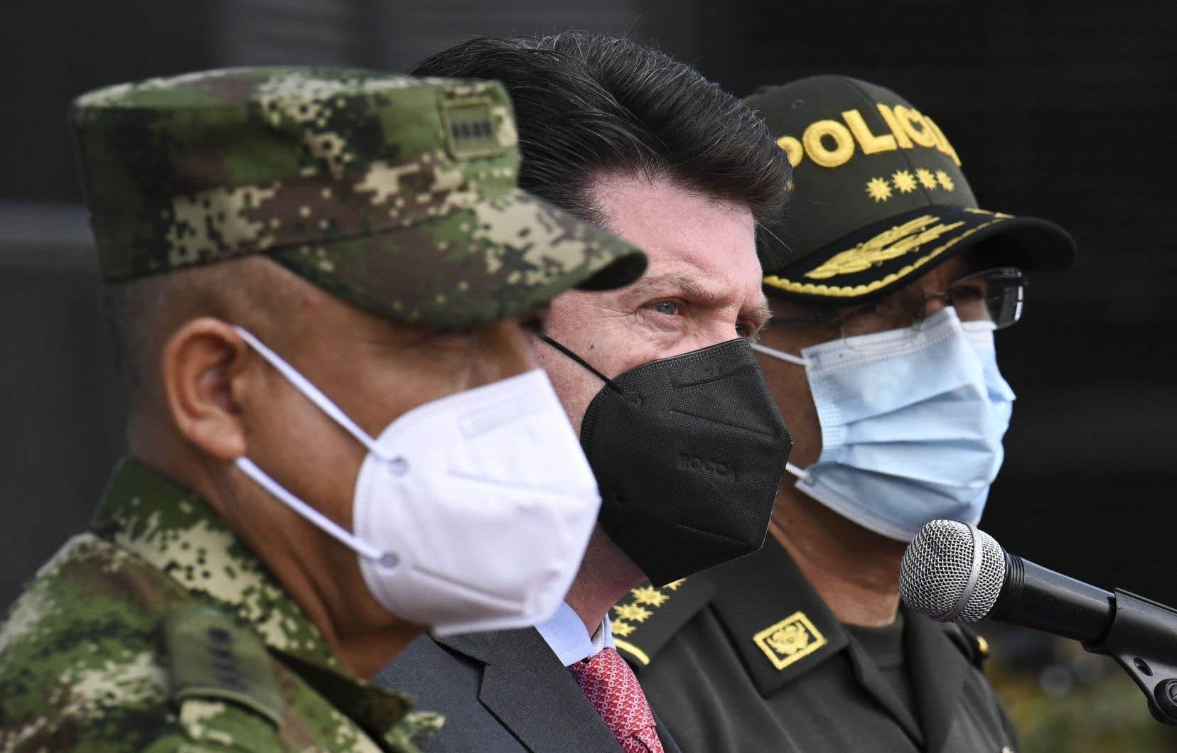 La police colombienne n'a toutefois pas précisé si Joseph Felix Badio avait agi sur l'ordre de commanditaires ni les raisons qui l'ont poussé à donner l'ordre de tuer M. Moïse.