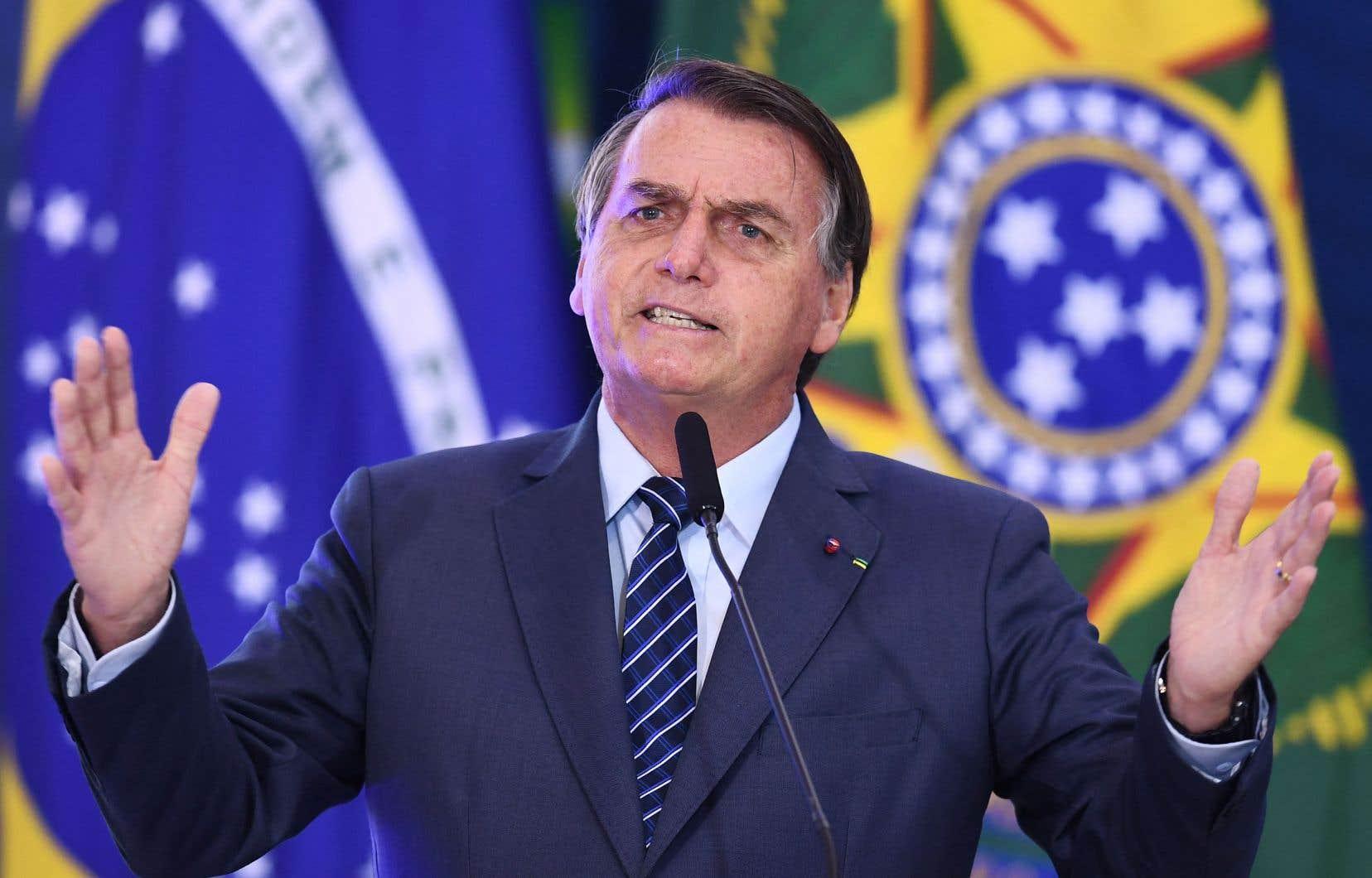 Jair Bolsonaro prétend qu'une défaite par les urnes, alors qu'il va chercher à briguer un deuxième mandat en 2022, ne pourrait qu'être le résultat d'une fraude électorale.