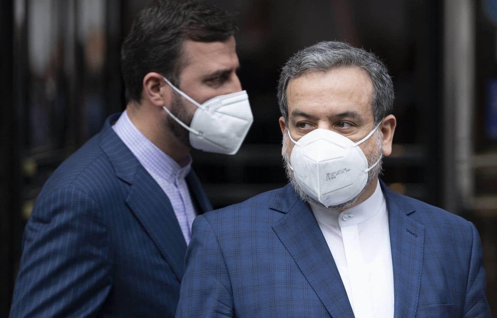 Abbas Araghchi (à droite), vice-ministre des Affaires étrangères et chef de l'équipe des négociateurs iraniens, et l'ambassadeur iranien auprès del'AIEA, Kazem Gharib Abadi (à gauche)