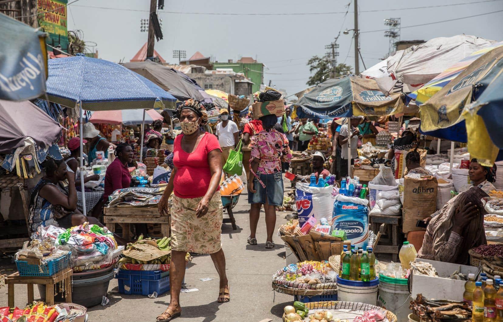 Haïti a non seulement été punie, maltraitée et écartée de l'économie mondiale et de la communauté politique des nations durant les cent premières années de son indépendance, mais elle a ensuite été sans cesse, et jusqu'à ce jour, occupée, contrôlée, manipulée et exploitée par des forces étrangères.