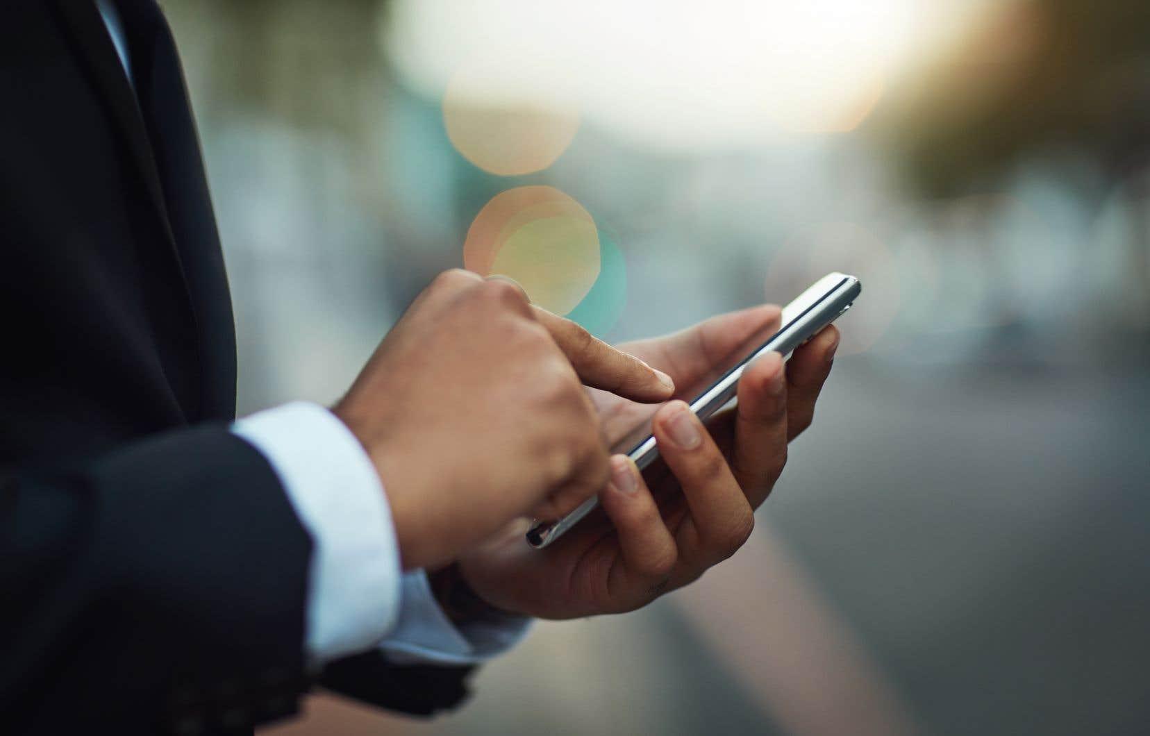 La liste de 50000 numéros de téléphone sélectionnés par les clients de NSO pour une surveillance potentielle comprend ceux d'au moins 180 journalistes, 600 hommes et femmes politiques, 85 militants des droits de la personne et 65 chefs d'entreprise.